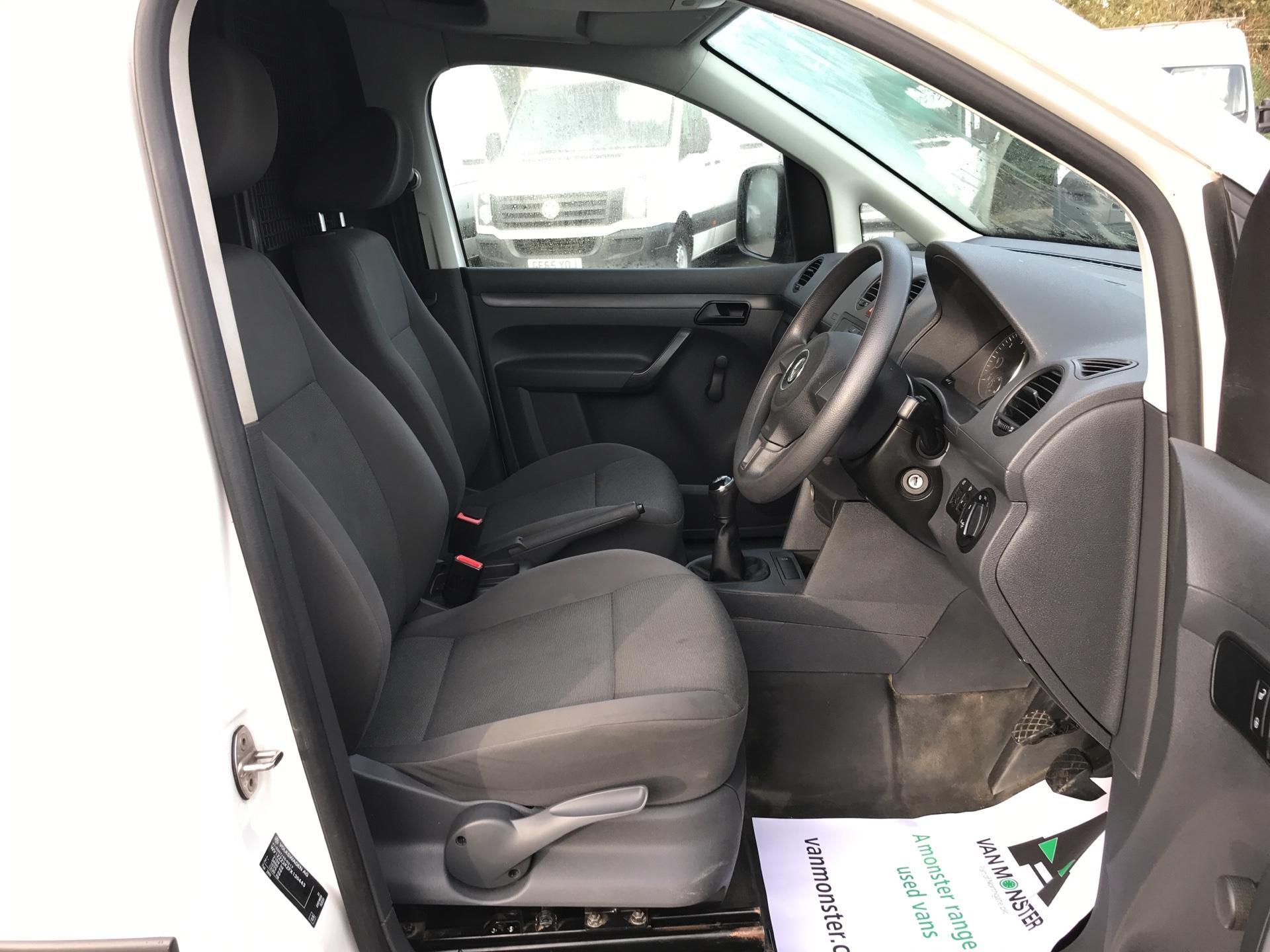 2015 Volkswagen Caddy  1.6 102PS STARTLINE EURO 5 (GK65WVO) Image 9