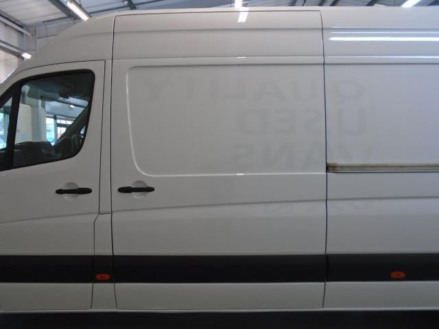 2016 Volkswagen Crafter  CR35 LWB 2.0 TDI 136PS HIGH ROOF EURO 5 (GK66HVF) Thumbnail 6