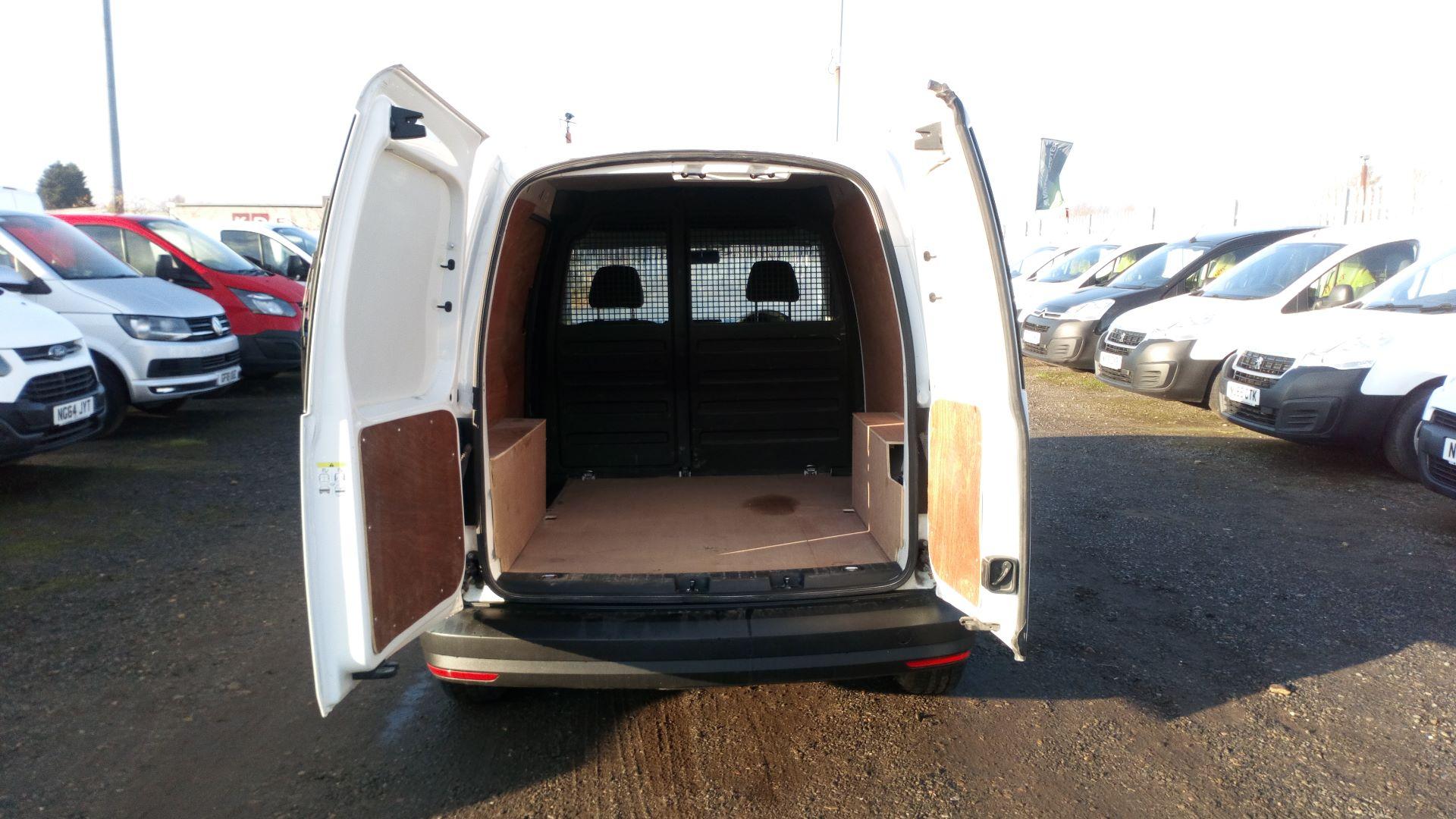 2016 Volkswagen Caddy 2.0 Tdi Bluemotion Tech 102Ps Startline Van (GK66MVN) Image 16