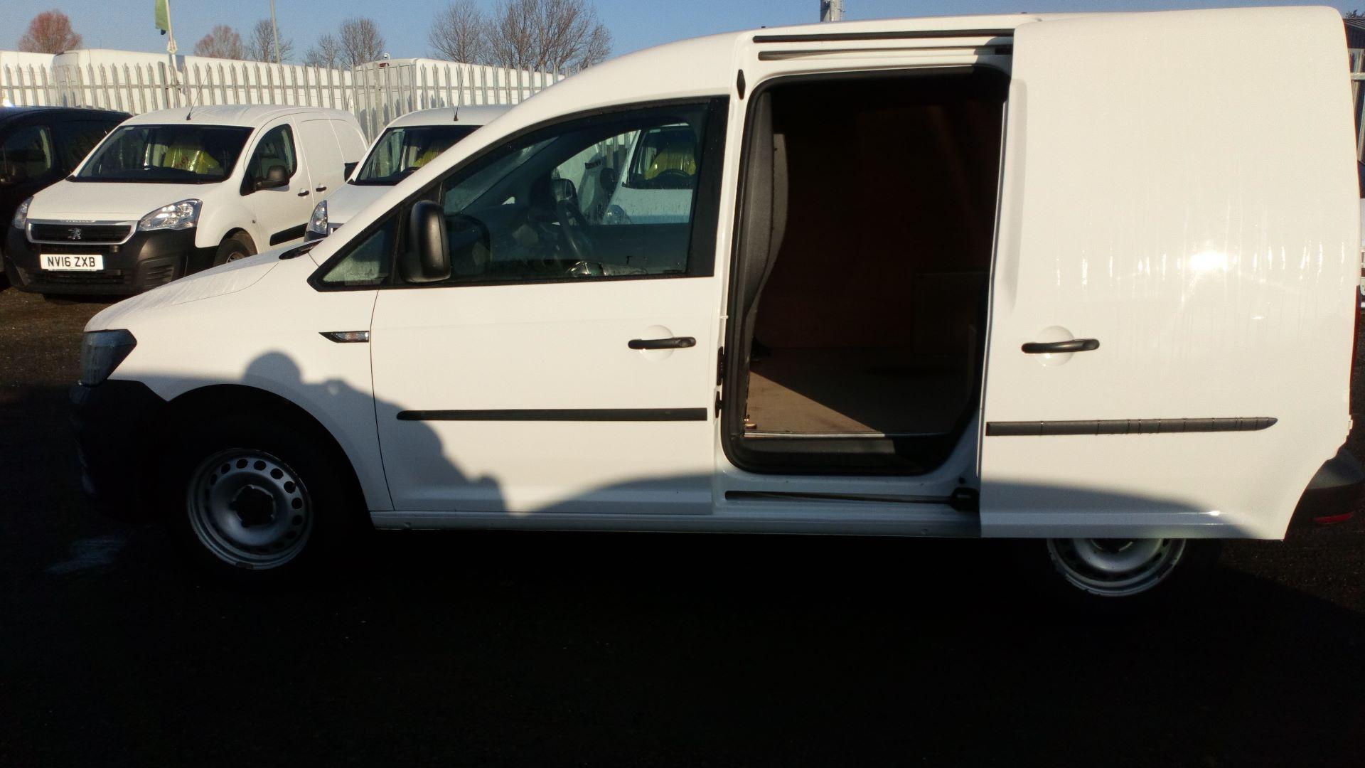 2016 Volkswagen Caddy 2.0 Tdi Bluemotion Tech 102Ps Startline Van (GK66MVN) Image 15
