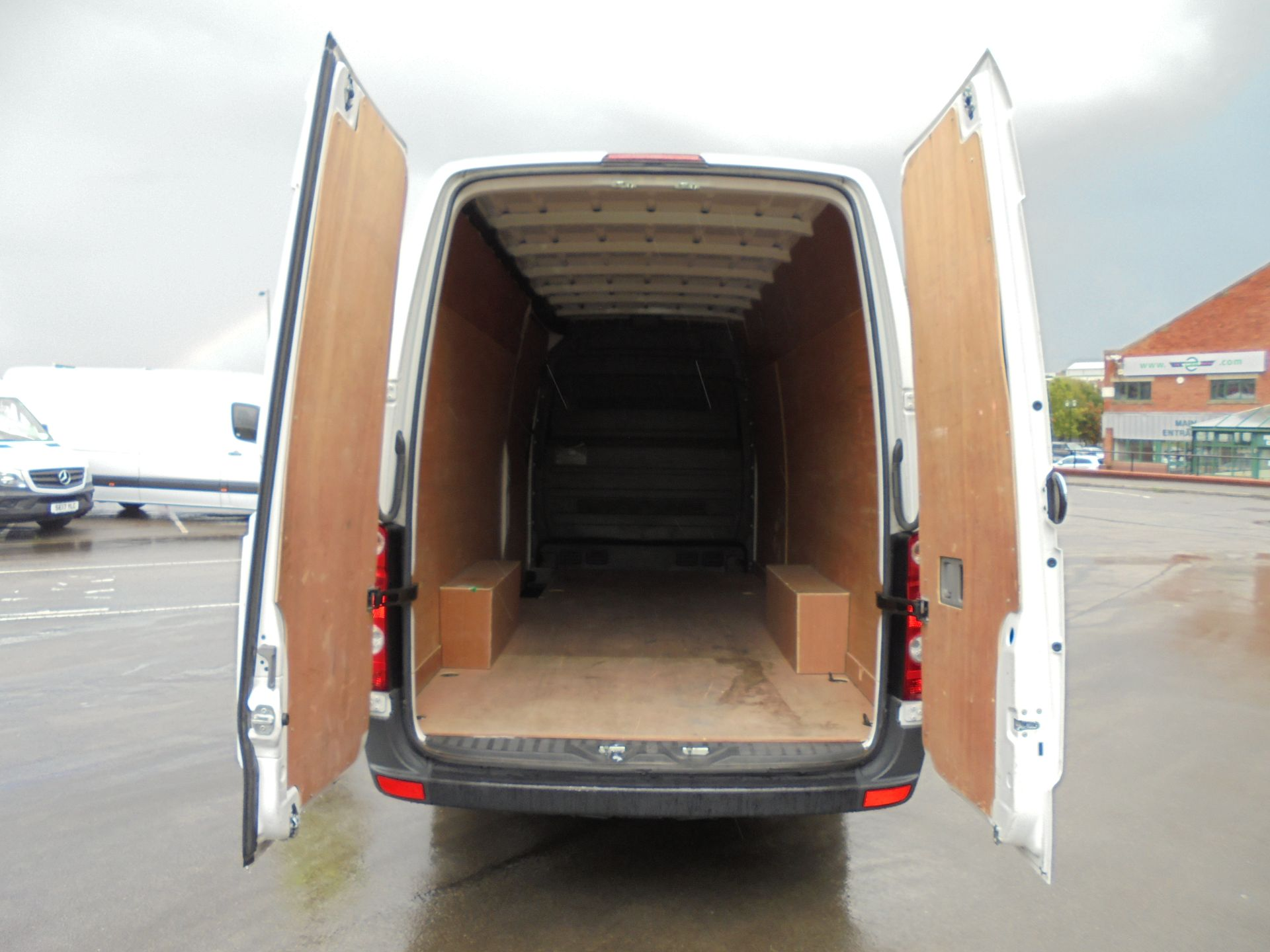 2016 Volkswagen Crafter 2.0 Tdi 136Ps High Roof Van LWB (GK66MYD) Thumbnail 20