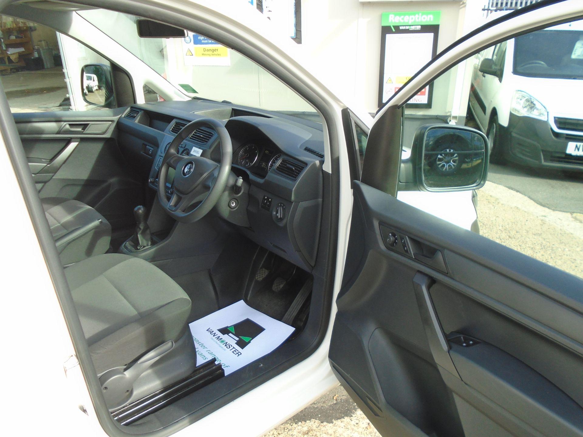 2016 Volkswagen Caddy 2.0 Tdi Bluemotion Tech 102Ps Startline Van (GK66XFR) Image 18