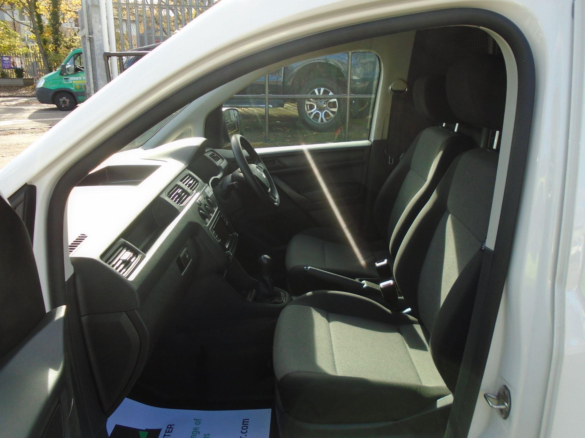 2016 Volkswagen Caddy 2.0 Tdi Bluemotion Tech 102Ps Startline Van (GK66XFR) Image 15
