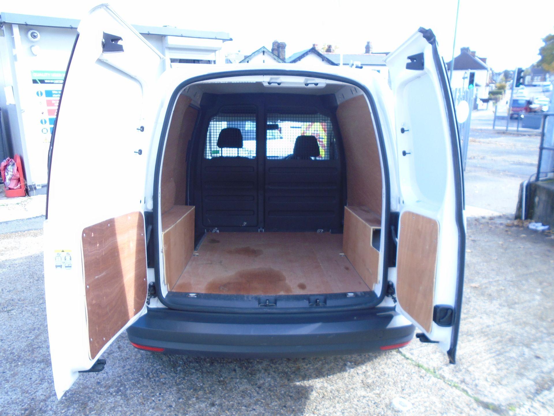 2016 Volkswagen Caddy 2.0 Tdi Bluemotion Tech 102Ps Startline Van (GK66XFR) Image 14