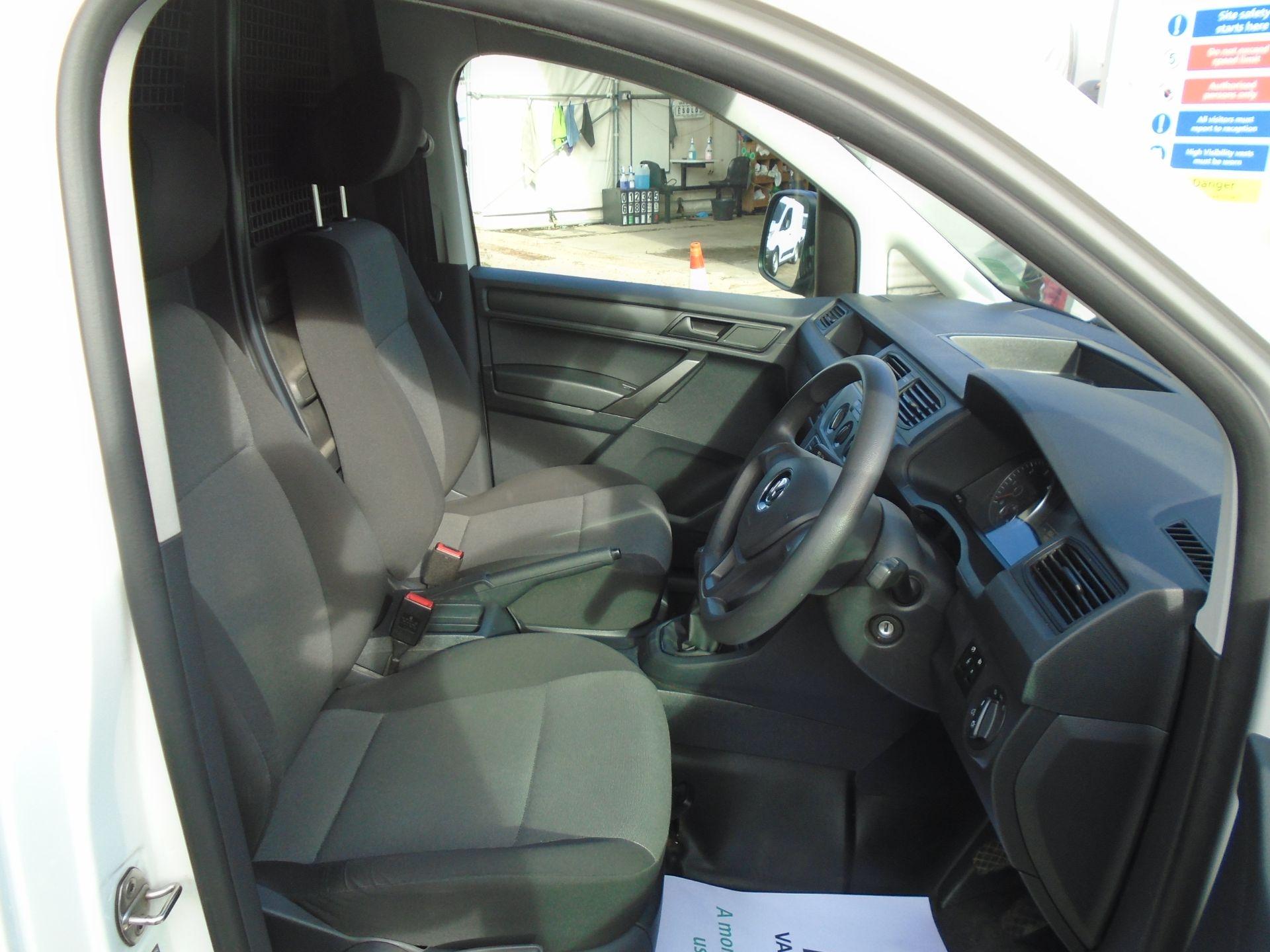 2016 Volkswagen Caddy 2.0 Tdi Bluemotion Tech 102Ps Startline Van (GK66XFR) Image 17