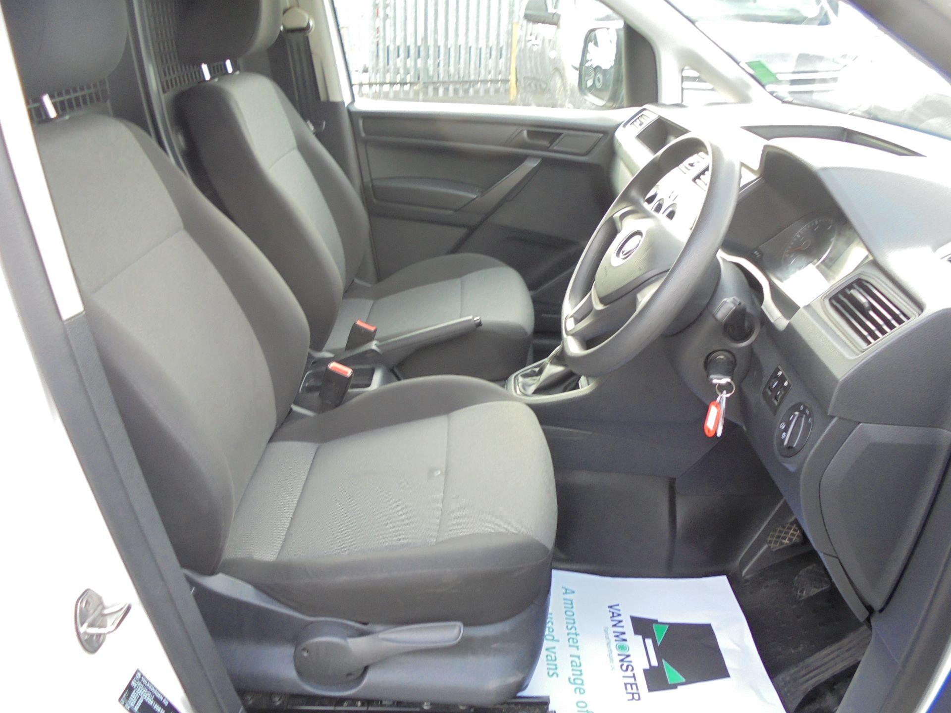 2016 Volkswagen Caddy  2.0 102PS BLUEMOTION TECH 102 STARTLINE EURO 6 (GK66YCW) Image 39