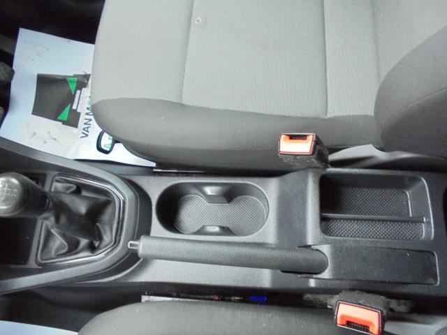 2016 Volkswagen Caddy  2.0 102PS BLUEMOTION TECH 102 STARTLINE EURO 6 (GK66YCW) Image 19