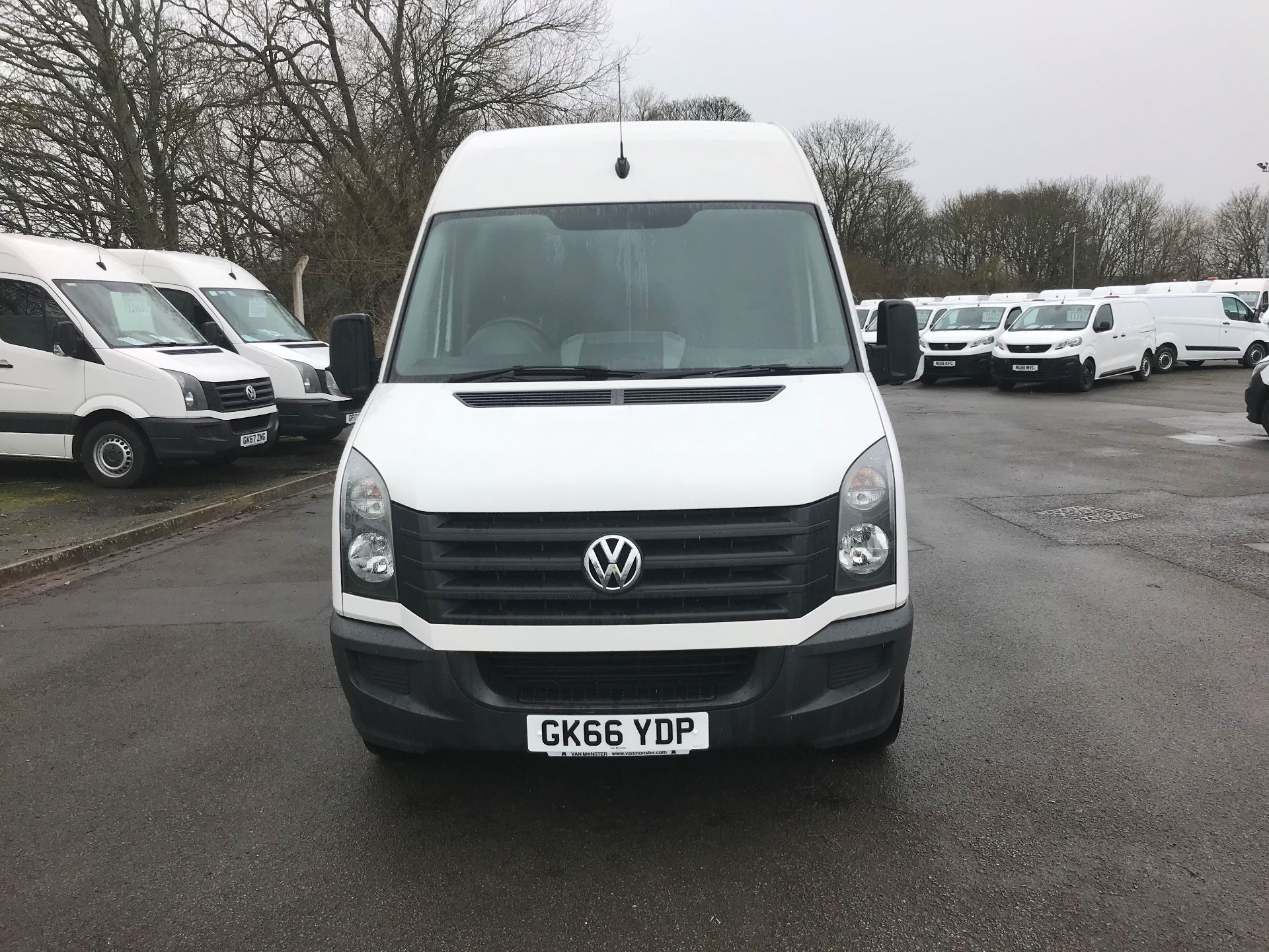 2016 Volkswagen Crafter  CR35 LWB 2.0 TDI 136PS HIGH ROOF EURO 5 (GK66YDP) Image 2