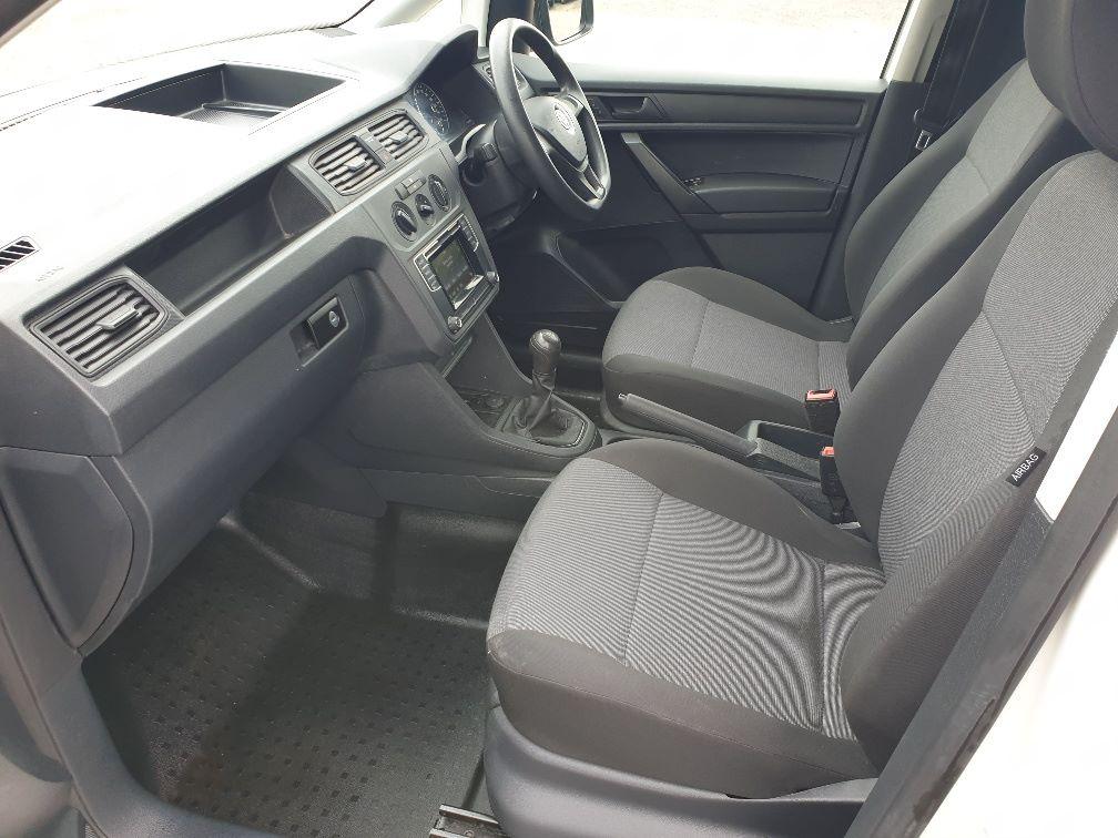 2017 Volkswagen Caddy  2.0 102PS BLUEMOTION TECH 102 STARTLINE EURO 6 (GK67SPZ) Image 5