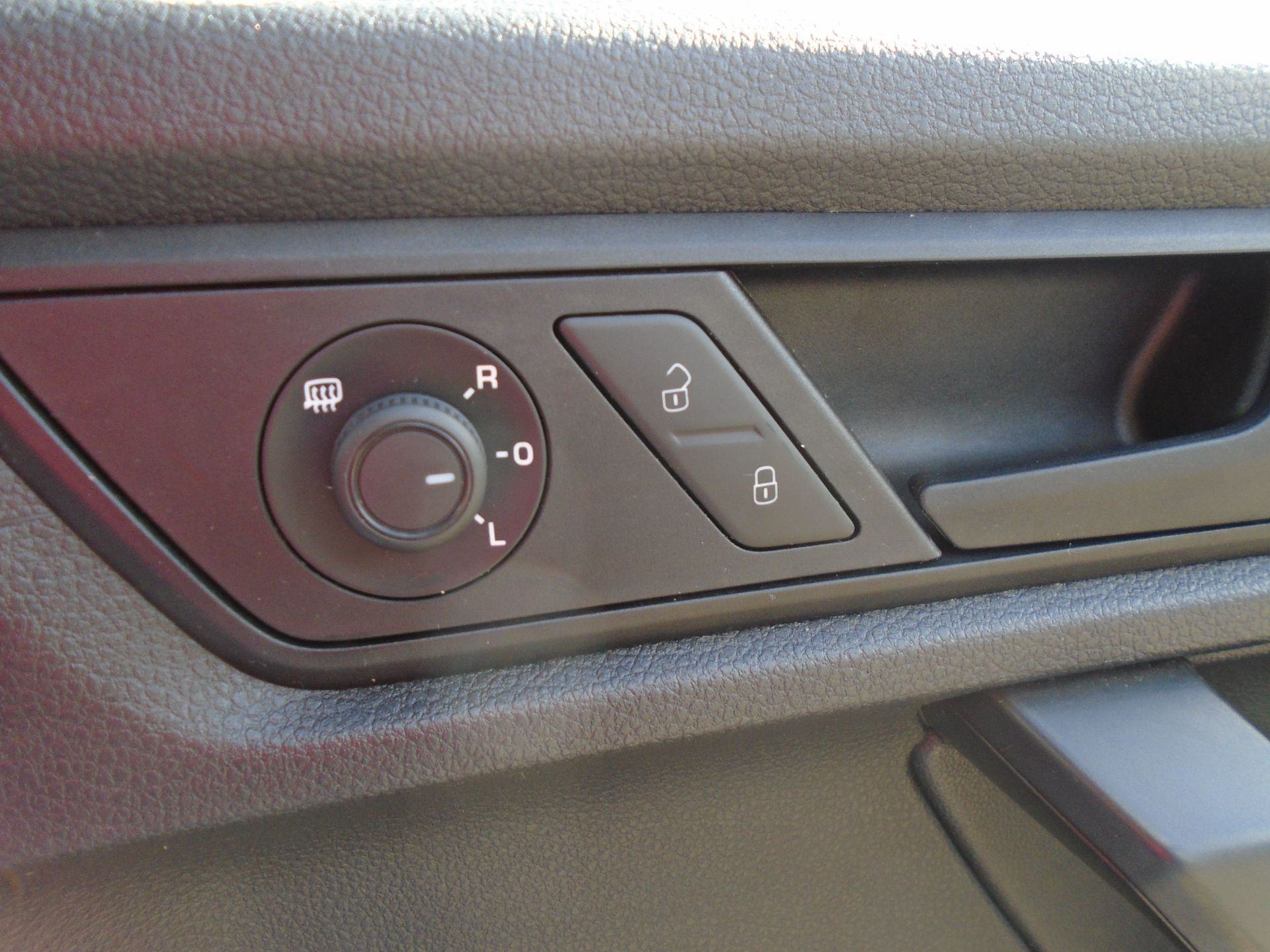 2017 Volkswagen Caddy 2.0 Tdi Bluemotion Tech 102Ps Startline Van (GK67STZ) Image 25