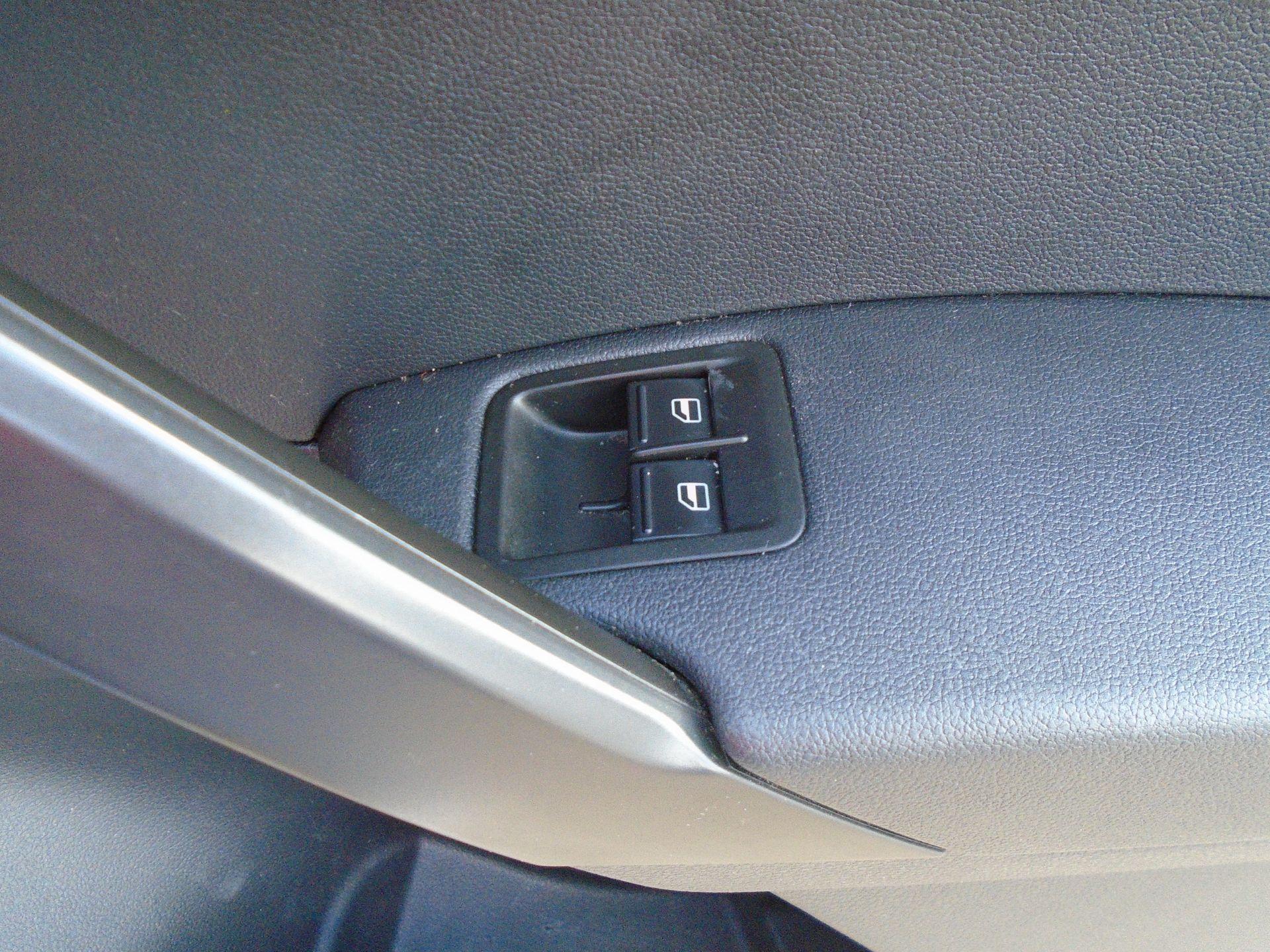 2017 Volkswagen Caddy 2.0 Tdi Bluemotion Tech 102Ps Startline Van (GK67STZ) Image 26