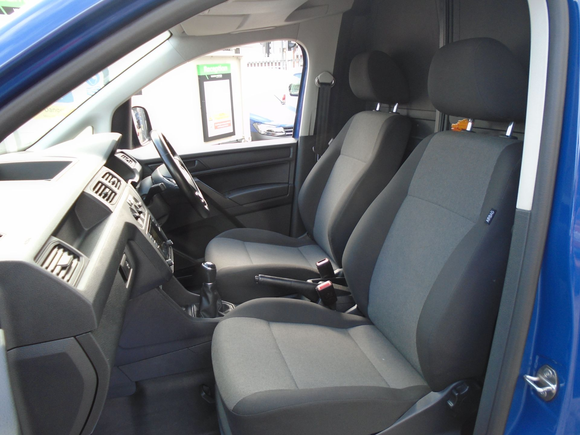2017 Volkswagen Caddy 2.0 Tdi Bluemotion Tech 102Ps Startline Van (GK67STZ) Image 17