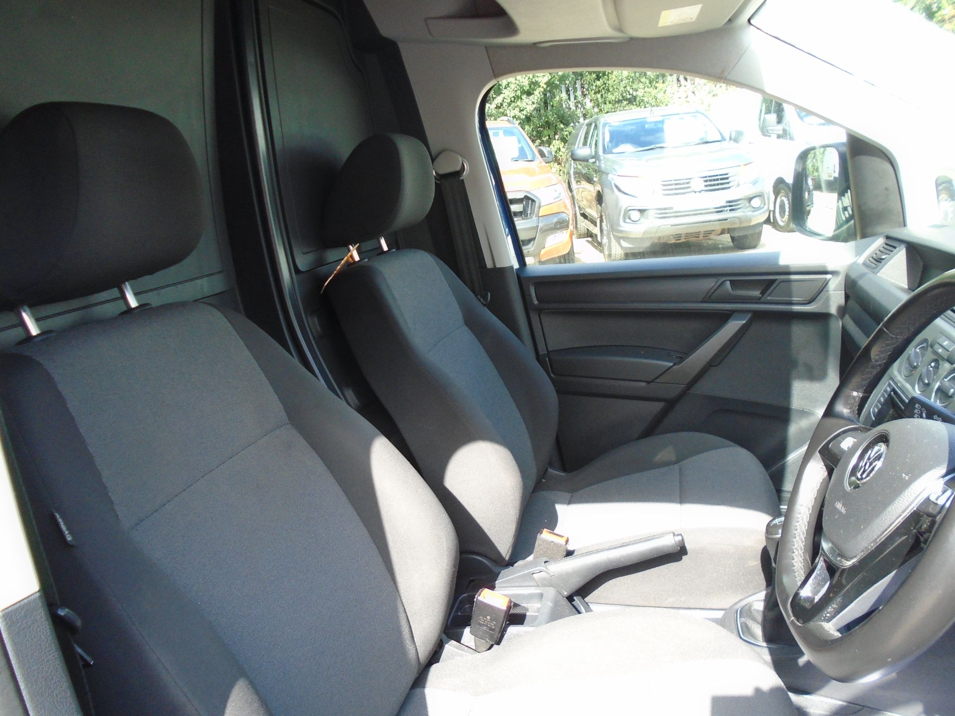 2017 Volkswagen Caddy 2.0 Tdi Bluemotion Tech 102Ps Startline Van (GK67STZ) Image 19