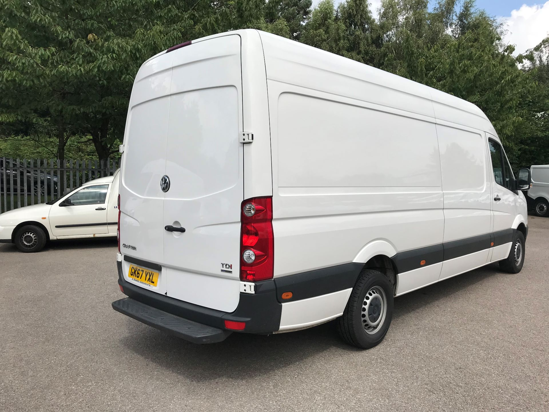 2017 Volkswagen Crafter  CR35 LWB DIESEL 2.0 BMT TDI 140PS HIGH ROOF EURO 6 (GK67YXL) Image 7
