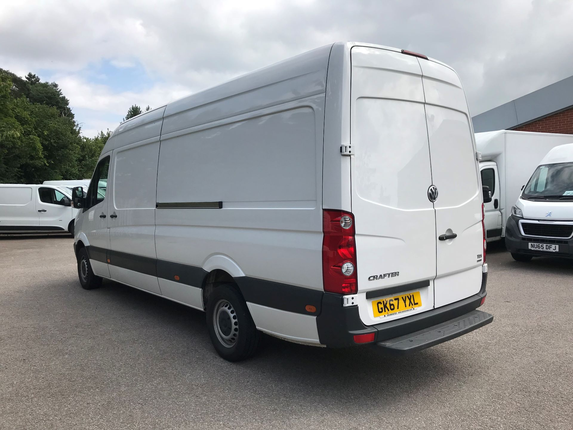 2017 Volkswagen Crafter  CR35 LWB DIESEL 2.0 BMT TDI 140PS HIGH ROOF EURO 6 (GK67YXL) Image 11