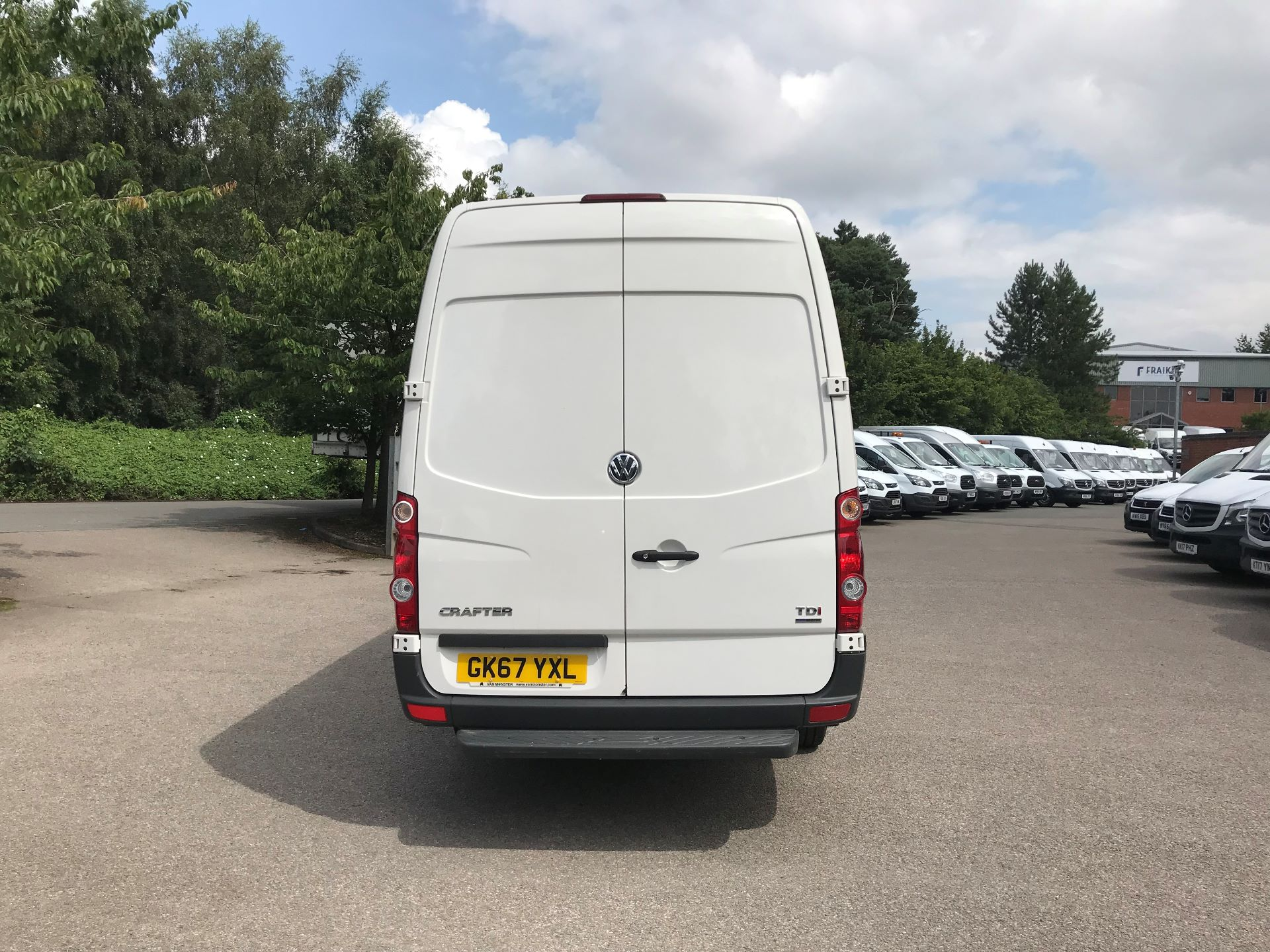 2017 Volkswagen Crafter  CR35 LWB DIESEL 2.0 BMT TDI 140PS HIGH ROOF EURO 6 (GK67YXL) Image 8