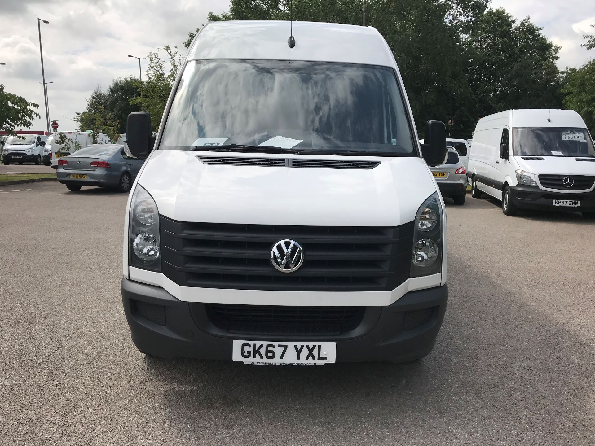 2017 Volkswagen Crafter  CR35 LWB DIESEL 2.0 BMT TDI 140PS HIGH ROOF EURO 6 (GK67YXL) Image 17
