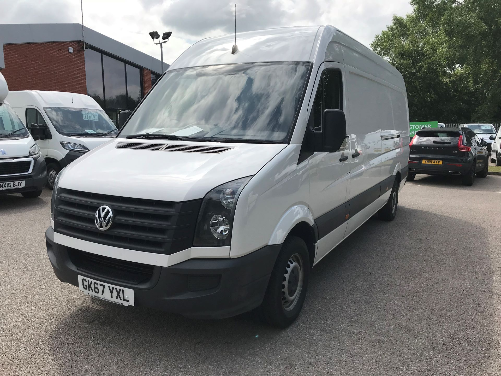 2017 Volkswagen Crafter  CR35 LWB DIESEL 2.0 BMT TDI 140PS HIGH ROOF EURO 6 (GK67YXL) Image 16