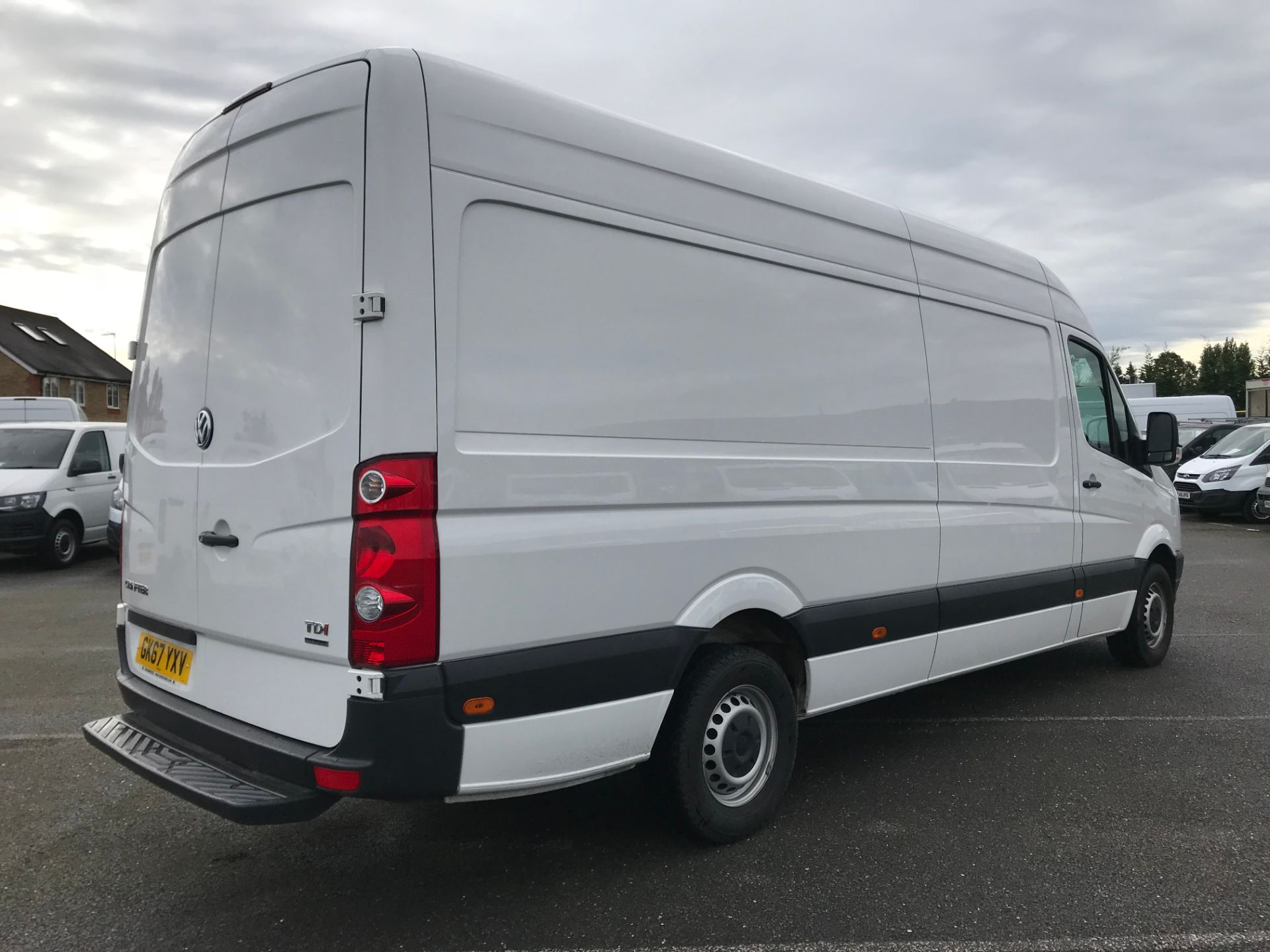 2017 Volkswagen Crafter  CR35 LWB  2.0 BMT TDI 140PS H/R EURO6 (GK67YXV) Image 4