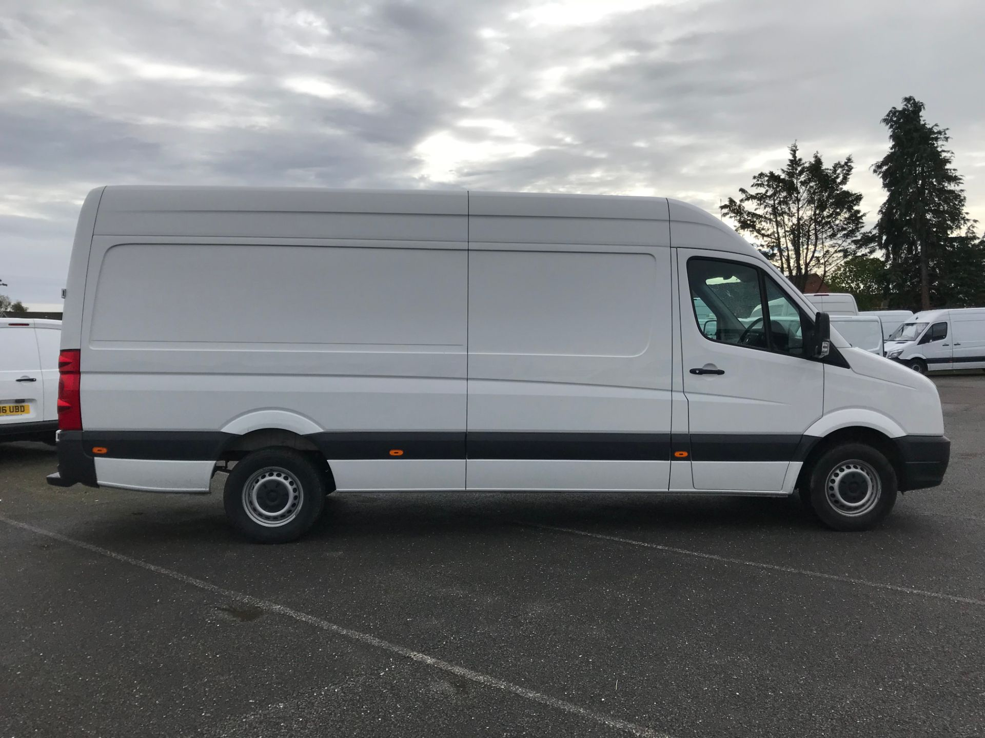 2017 Volkswagen Crafter  CR35 LWB  2.0 BMT TDI 140PS H/R EURO6 (GK67YXV) Image 8