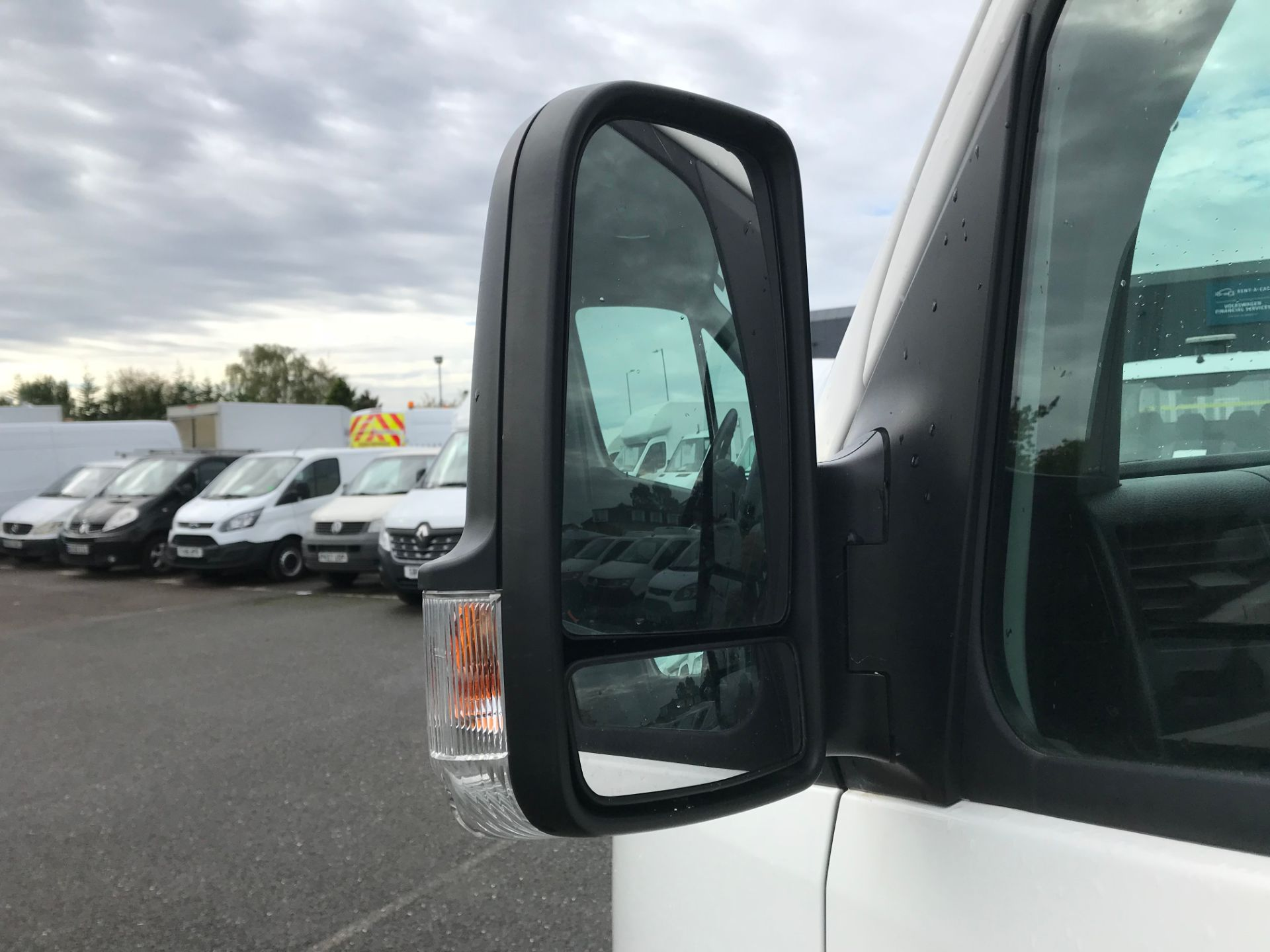 2017 Volkswagen Crafter  CR35 LWB  2.0 BMT TDI 140PS H/R EURO6 (GK67YXV) Image 11