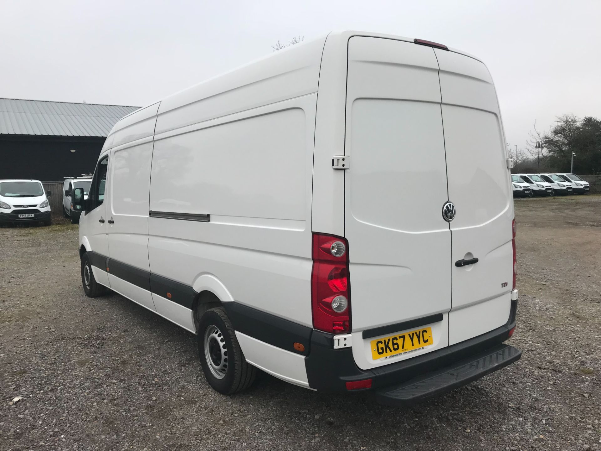 2017 Volkswagen Crafter  CR35 LWB DIESEL 2.0 BMT TDI 140PS HIGH ROOF EURO 6 (GK67YYC) Image 4