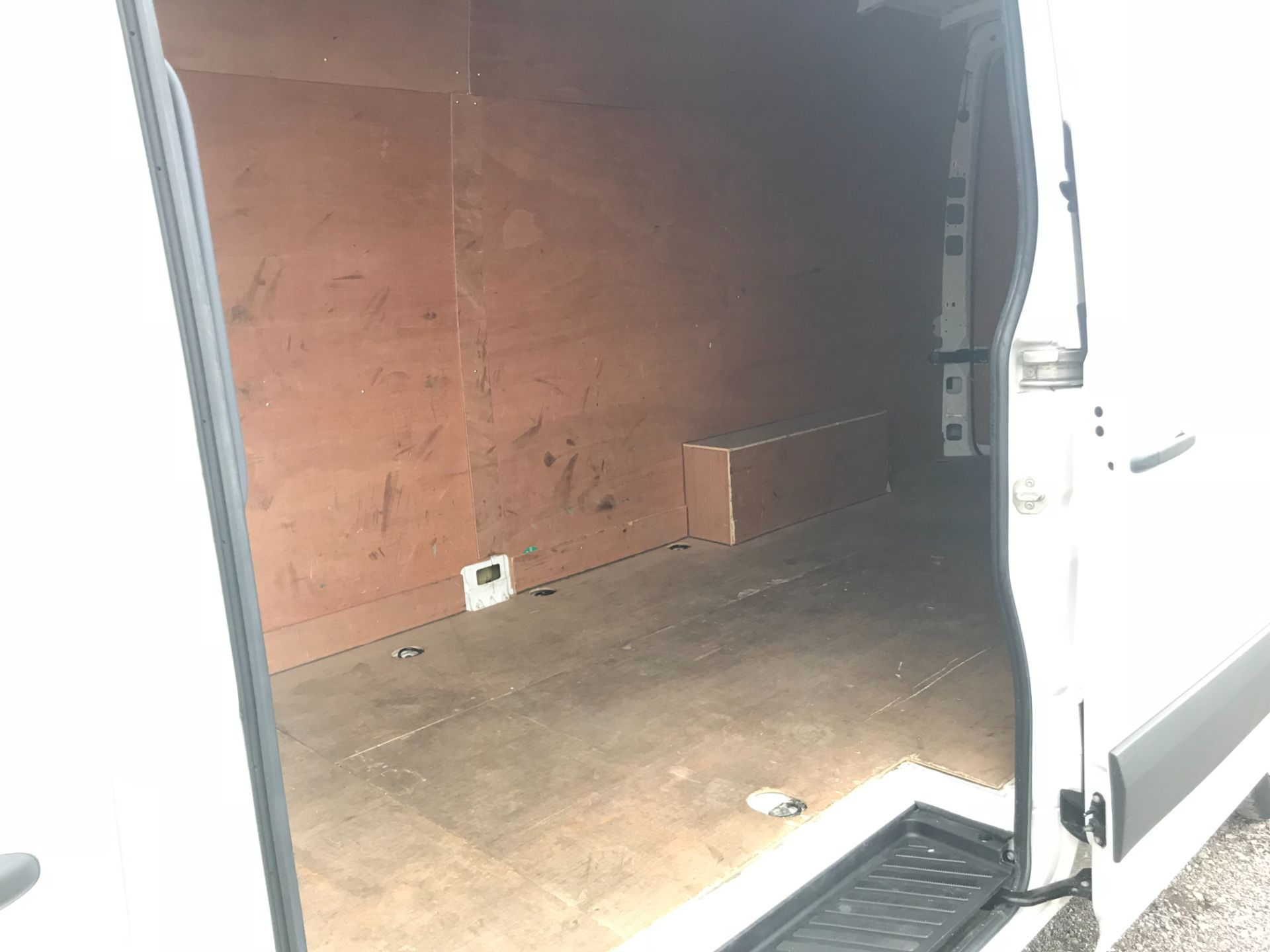 2017 Volkswagen Crafter  CR35 LWB DIESEL 2.0 BMT TDI 140PS HIGH ROOF EURO 6 (GK67YYC) Image 10