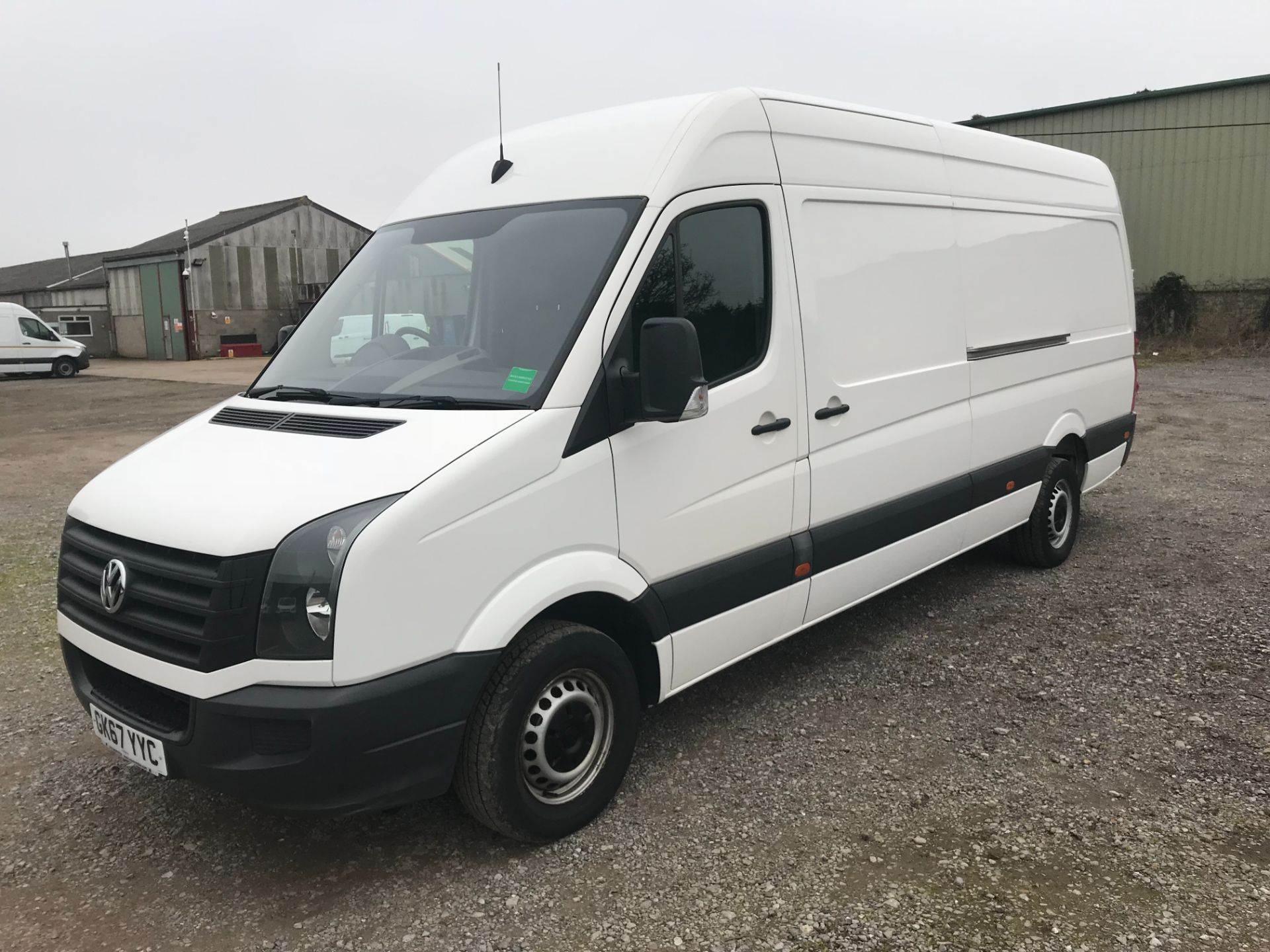 2017 Volkswagen Crafter  CR35 LWB DIESEL 2.0 BMT TDI 140PS HIGH ROOF EURO 6 (GK67YYC) Image 3