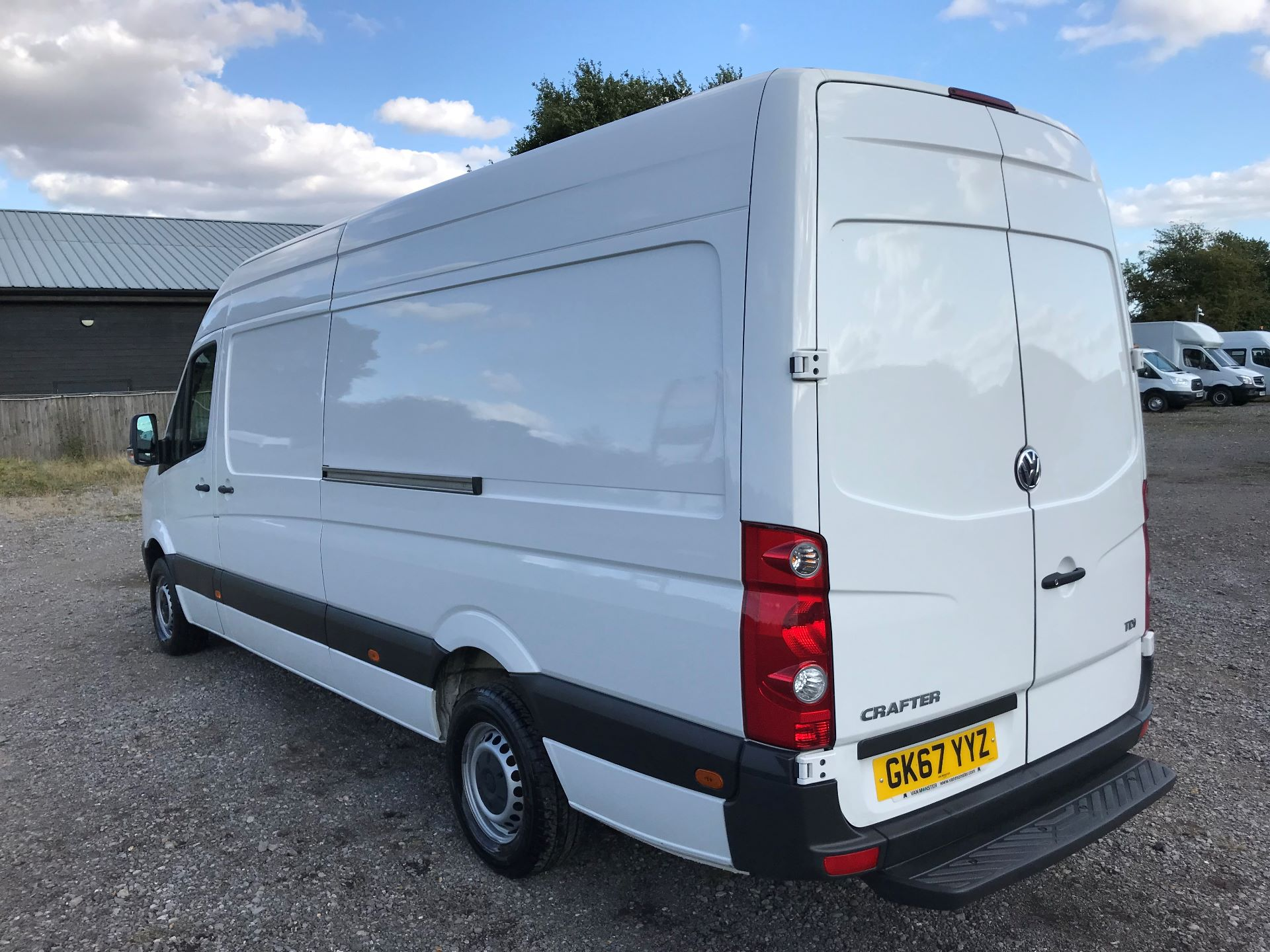 2017 Volkswagen Crafter CR35 LWB DIESEL 2.0 BMT TDI 140PS HIGH ROOF EURO 6 (GK67YYZ) Image 6