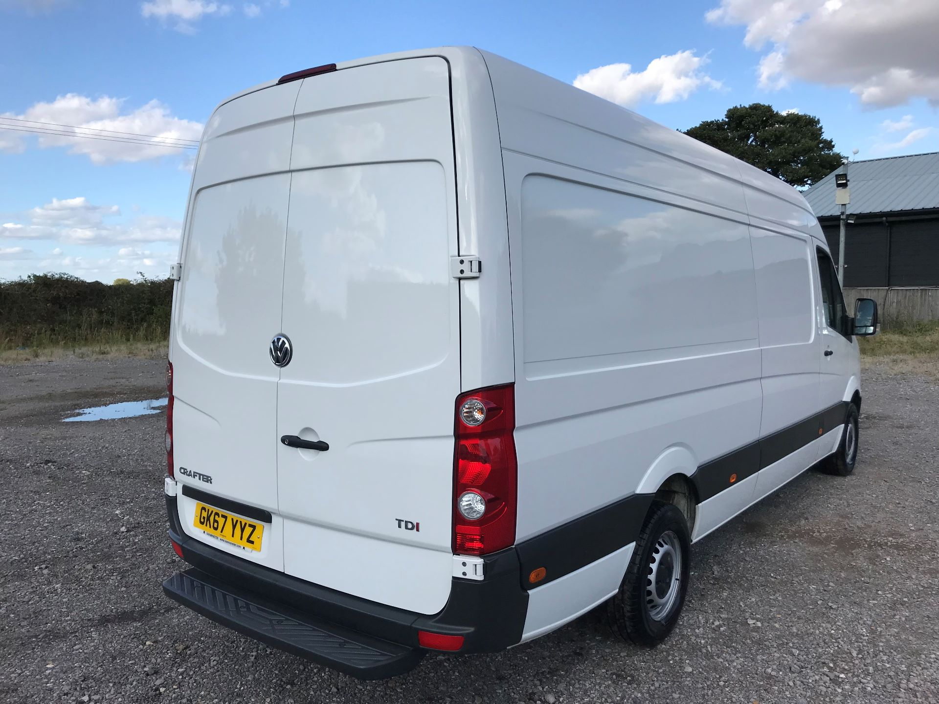 2017 Volkswagen Crafter CR35 LWB DIESEL 2.0 BMT TDI 140PS HIGH ROOF EURO 6 (GK67YYZ) Image 4