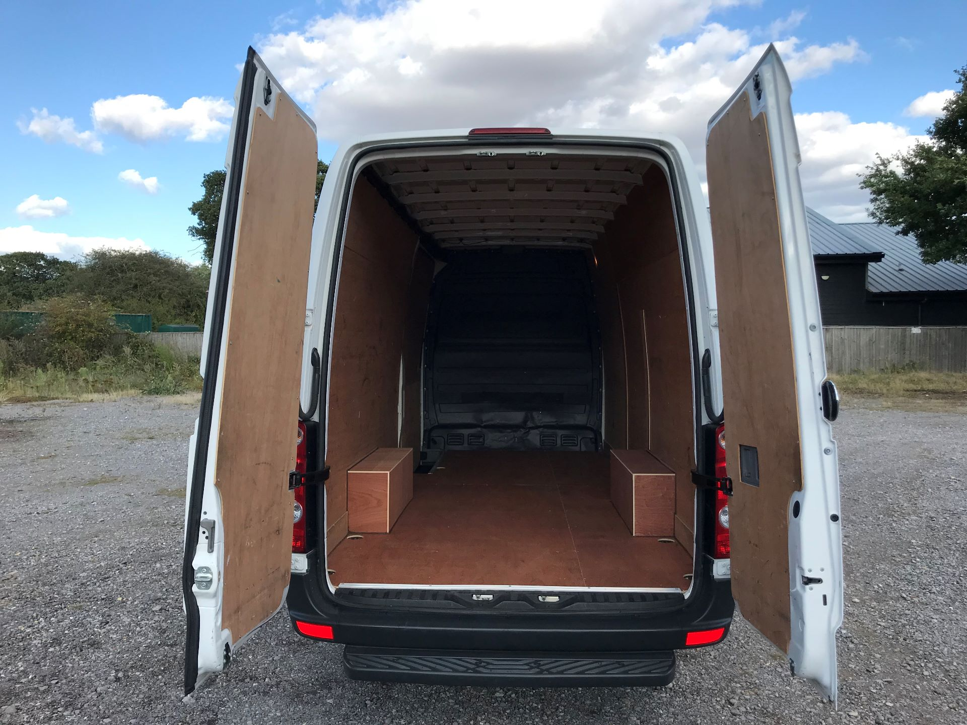 2017 Volkswagen Crafter CR35 LWB DIESEL 2.0 BMT TDI 140PS HIGH ROOF EURO 6 (GK67YYZ) Image 7