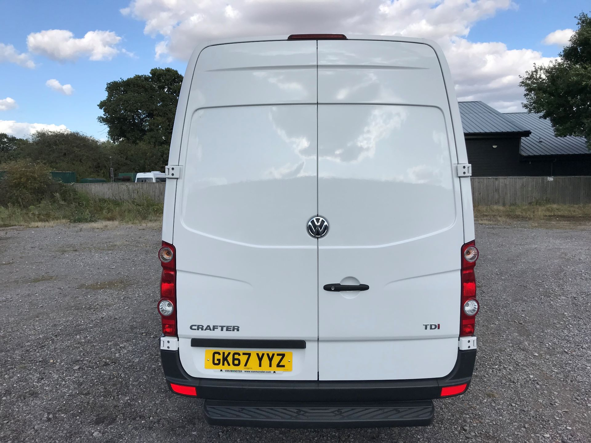 2017 Volkswagen Crafter CR35 LWB DIESEL 2.0 BMT TDI 140PS HIGH ROOF EURO 6 (GK67YYZ) Image 5