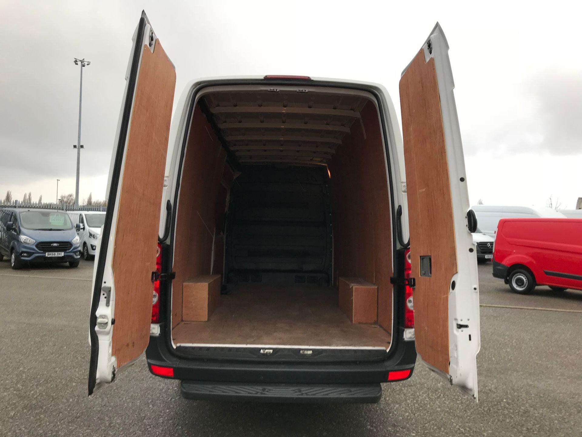 2017 Volkswagen Crafter 2.0 Tdi 140Ps Startline High Roof Van (GK67YZA) Image 17