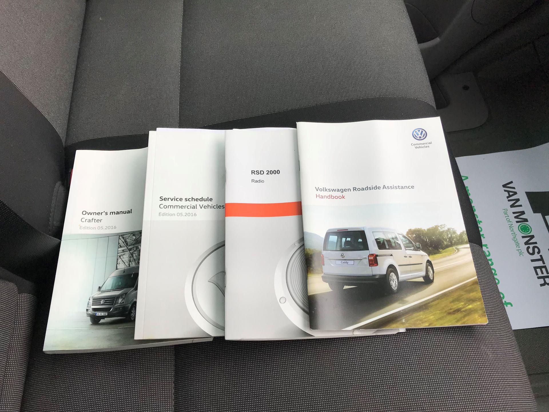 2017 Volkswagen Crafter CRAFTER CR35 STARTLINE TDI BMT EURO 6 (GK67ZPC) Image 25