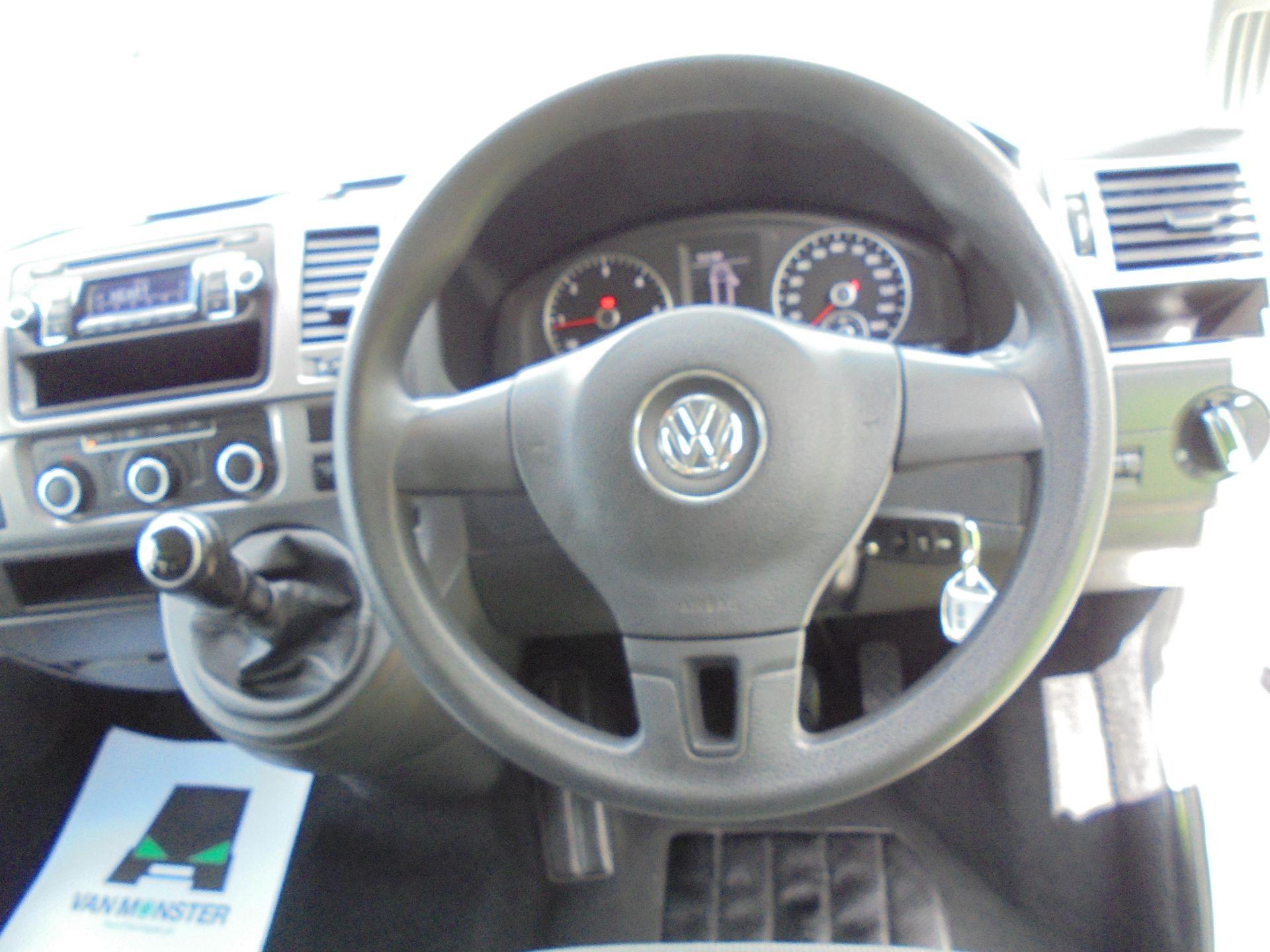 2015 Volkswagen Transporter Shuttle 2.0 Tdi 102Ps Se Minibus (GL15TEJ) Image 5