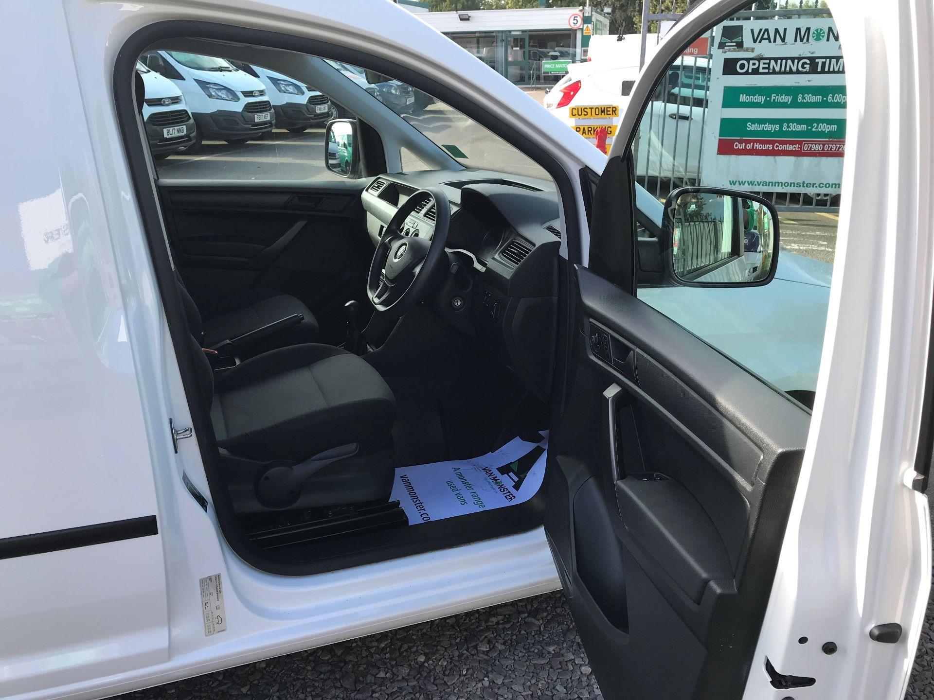 2016 Volkswagen Caddy 2.0 102PS BLUEMOTION TECH 102 STARTLINE EURO 6 (GL16BXW) Image 12