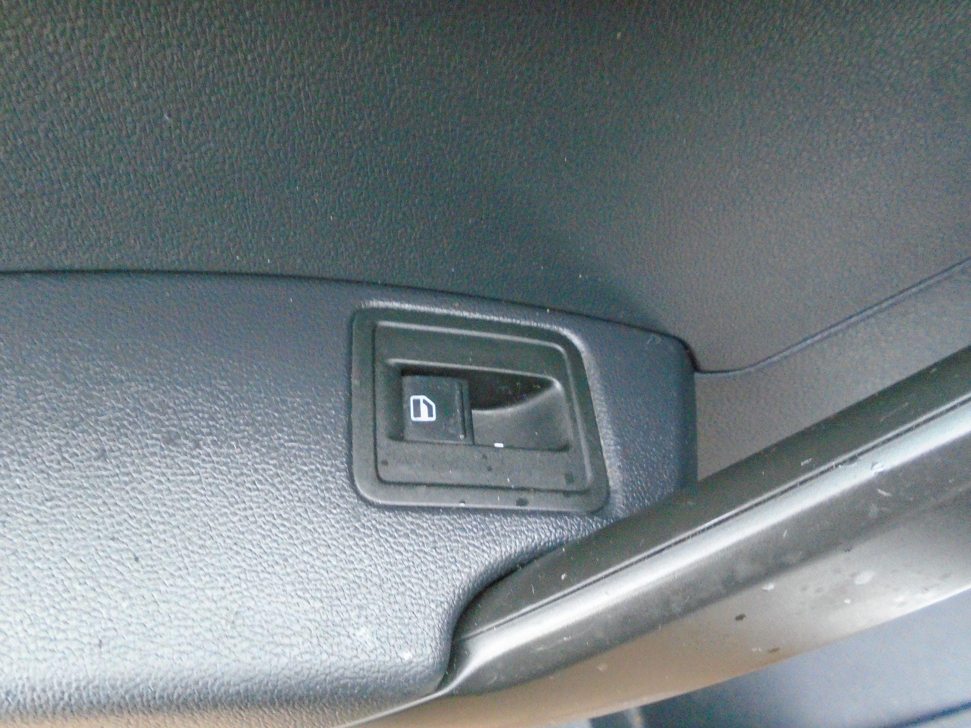2016 Volkswagen Caddy 2.0 Tdi Bluemotion Tech 102Ps Startline Van(EURO 5) (GL16BZT) Image 16