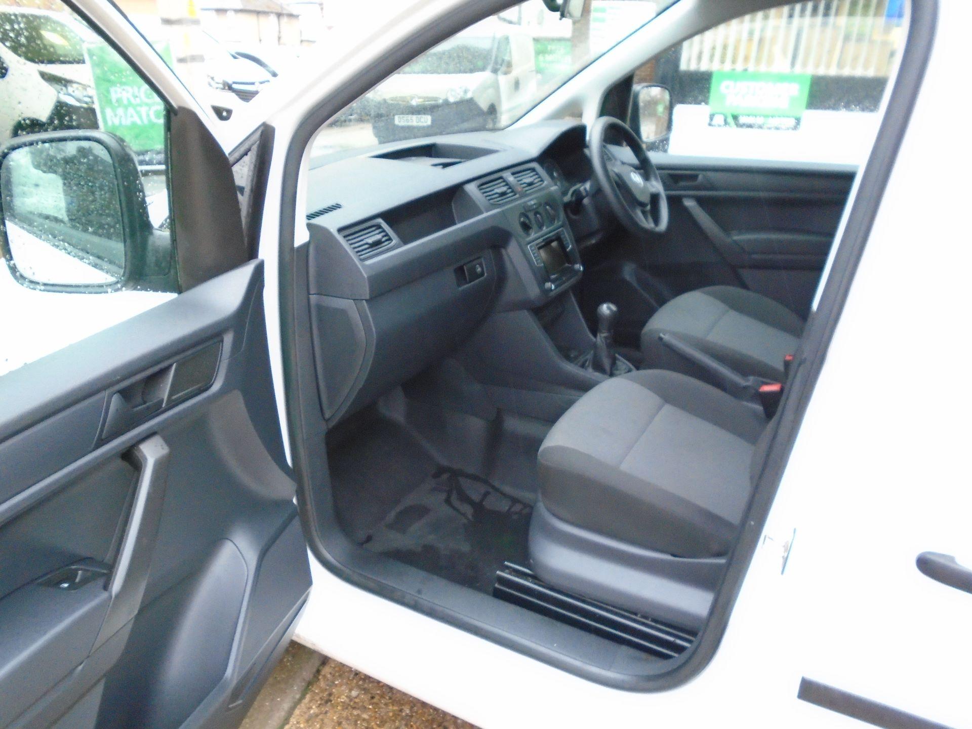 2016 Volkswagen Caddy 2.0 Tdi Bluemotion Tech 102Ps Startline Van(EURO 5) (GL16BZT) Image 15