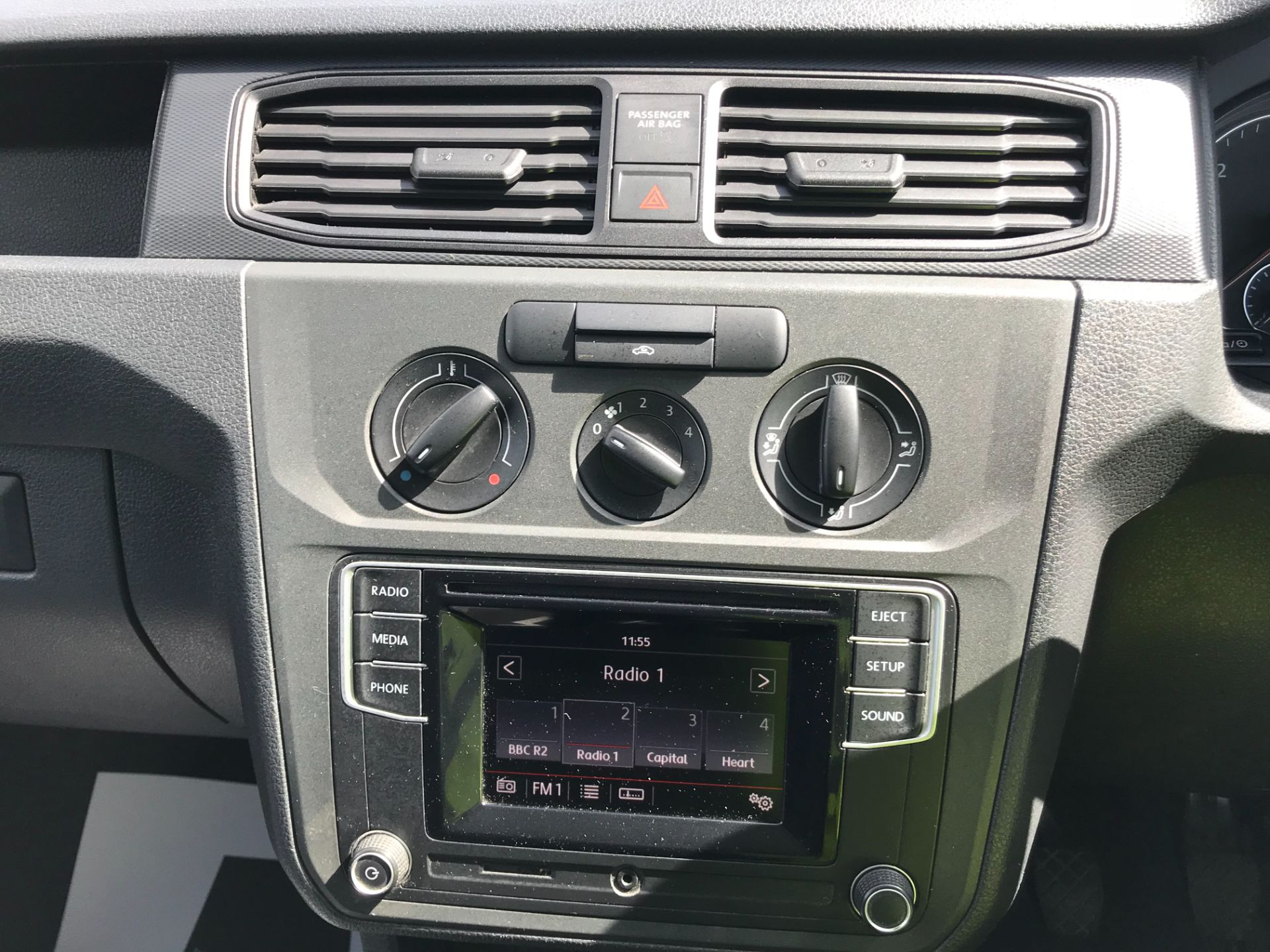 2017 Volkswagen Caddy Maxi  2.0 102PS BLUEMOTION TECH 102 STARTLINE EURO 6 (GL17AOT) Image 26