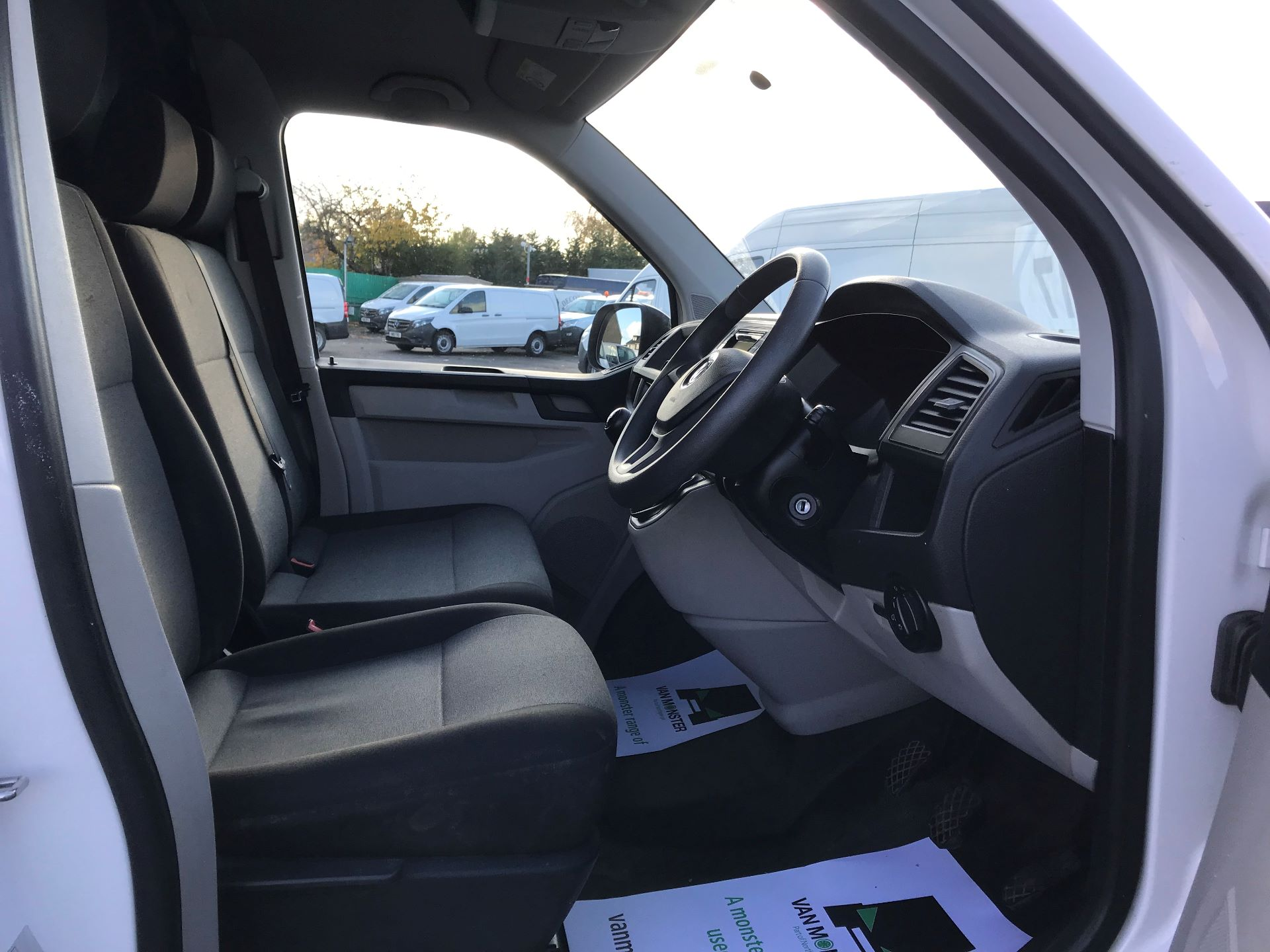 2017 Volkswagen Transporter  2.0  102PS T28 S-LINE TDI BMT EURO 6  (GL17BPV) Image 20