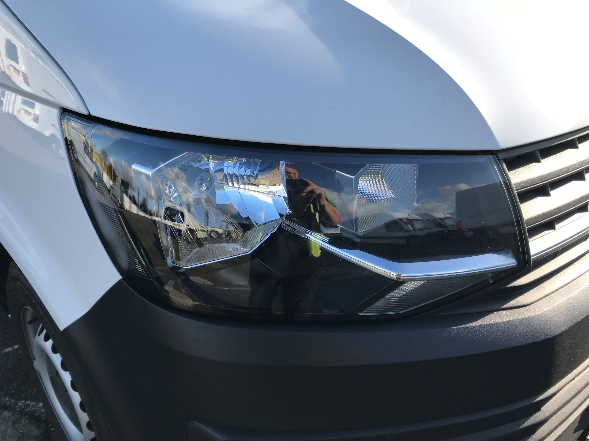 2017 Volkswagen Transporter  2.0  102PS T28 S-LINE TDI BMT EURO 6  (GL17BPV) Image 14