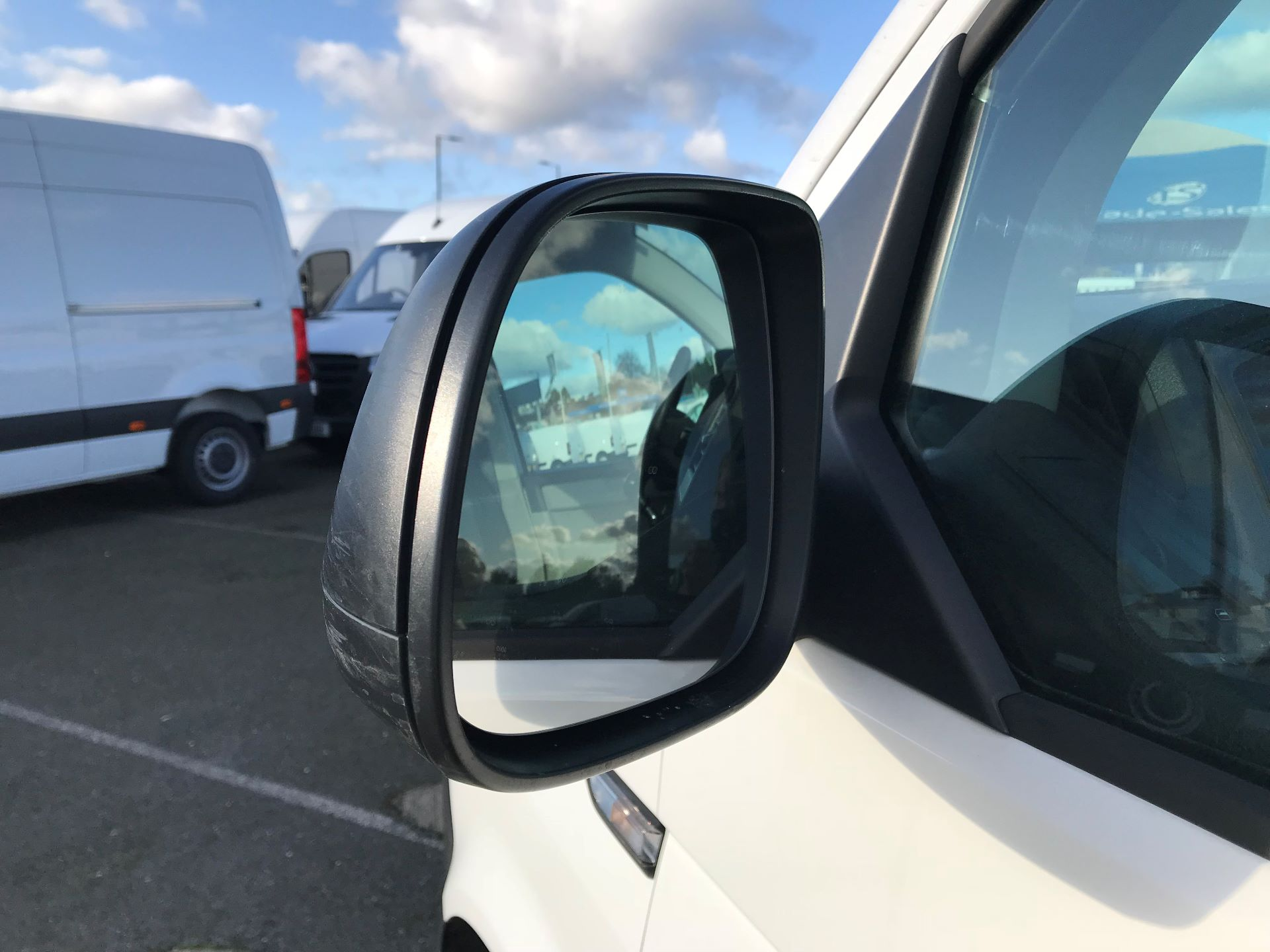 2017 Volkswagen Transporter  2.0  102PS T28 S-LINE TDI BMT EURO 6  (GL17BPV) Image 11