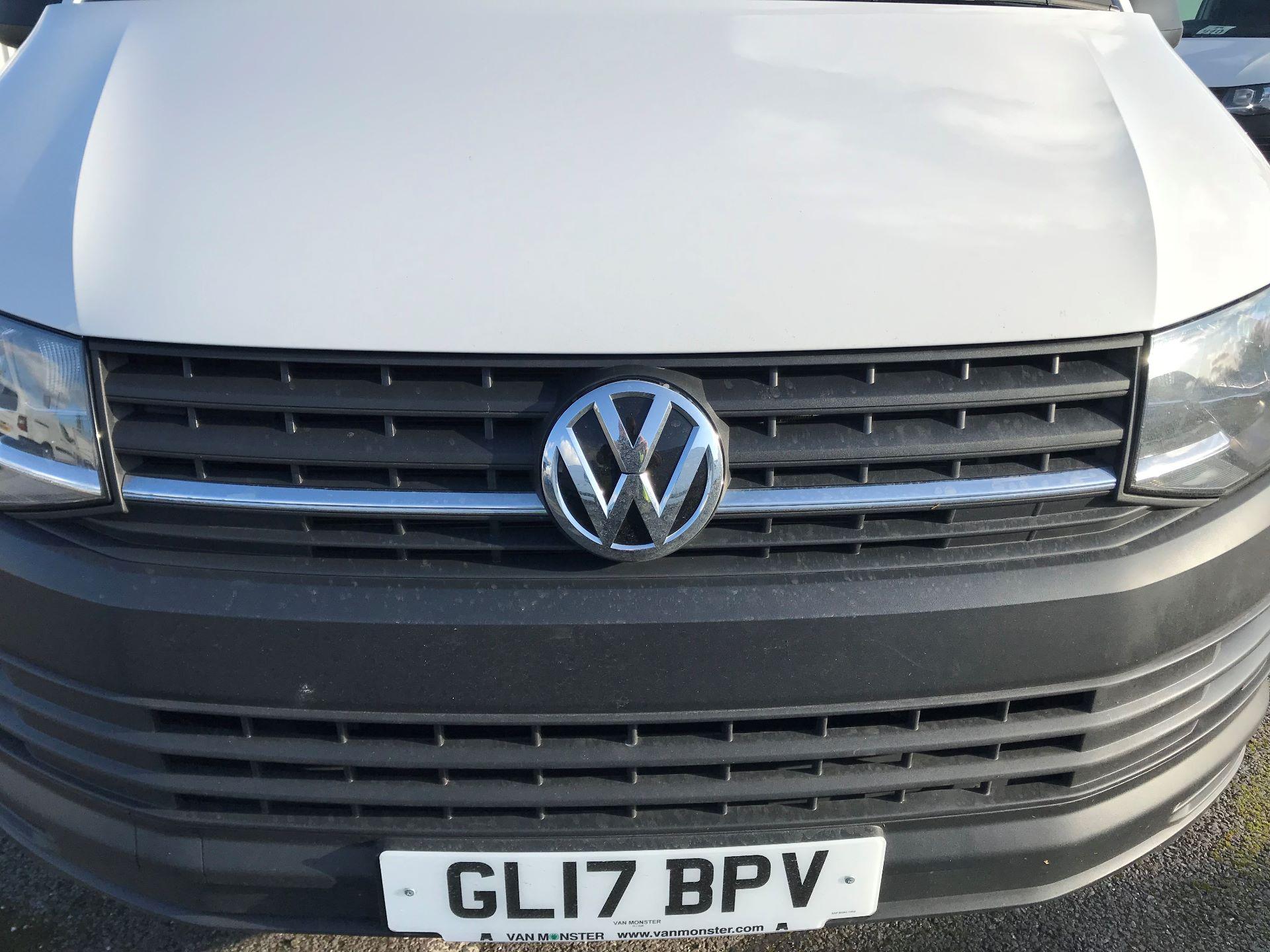 2017 Volkswagen Transporter  2.0  102PS T28 S-LINE TDI BMT EURO 6  (GL17BPV) Image 12