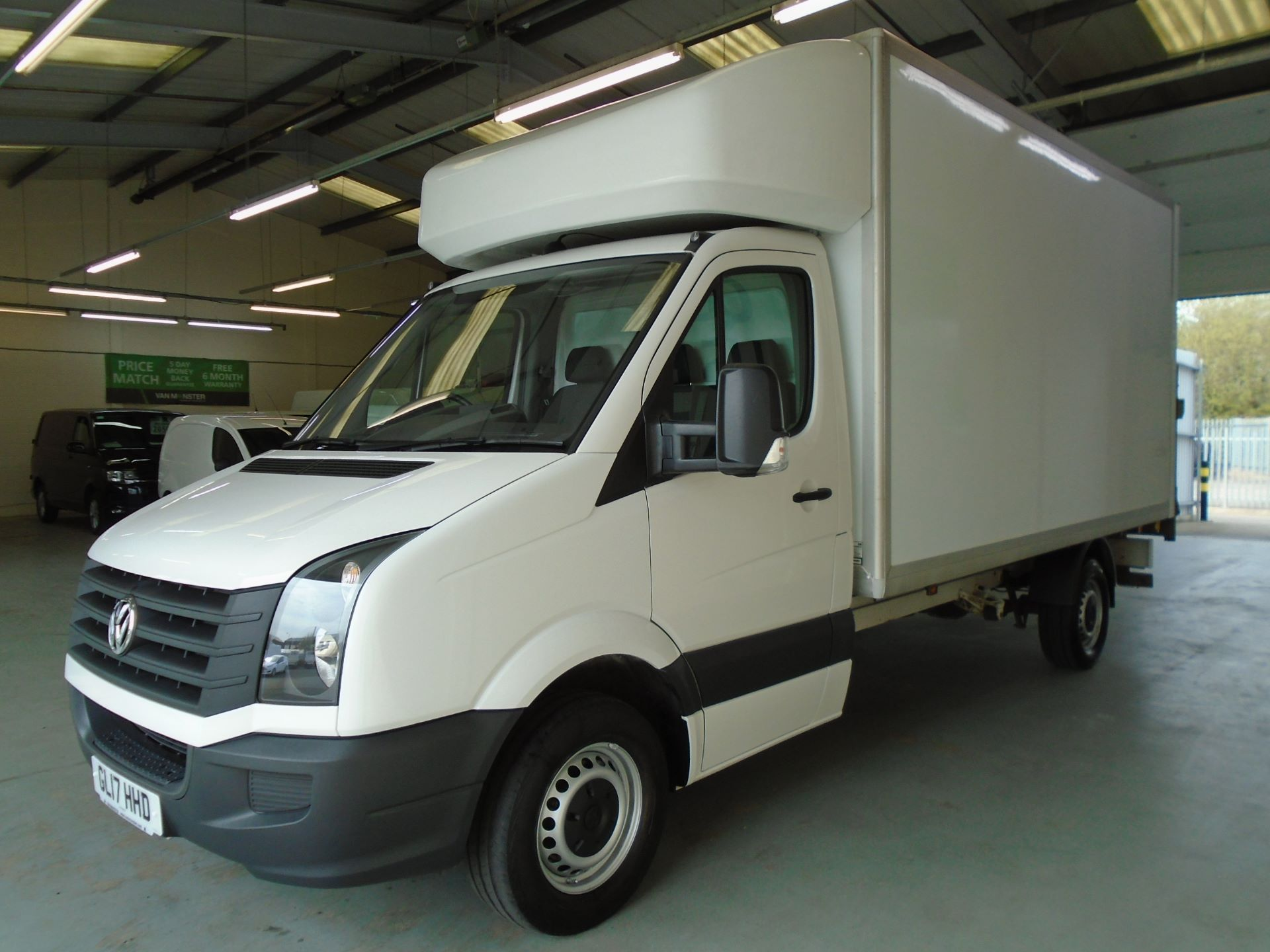 2017 Volkswagen Crafter 2.0 Tdi Bmt 140Ps LWB Luton Tail-Lift (GL17HHD) Image 3