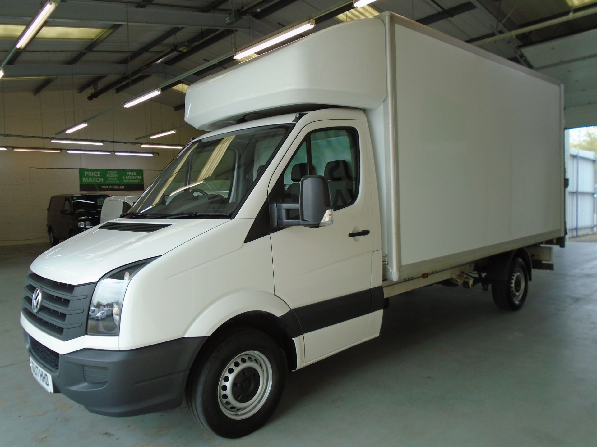 2017 Volkswagen Crafter 2.0 Tdi Bmt 140Ps LWB Luton Tail-Lift (GL17HHD) Image 12
