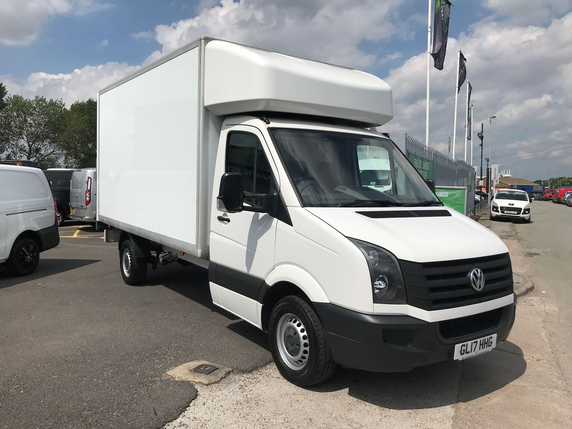 2017 Volkswagen Crafter CR35 13FT LUTON 2.0TDI BMT 140PS TAIL LIFT  (GL17HHG)