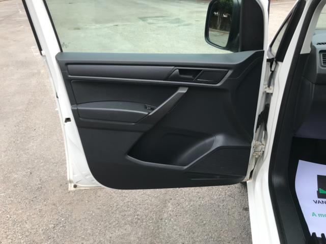 2017 Volkswagen Caddy 2.0 Tdi Bluemotion Tech 102Ps Startline Van Euro 6 (GL17HJG) Image 30