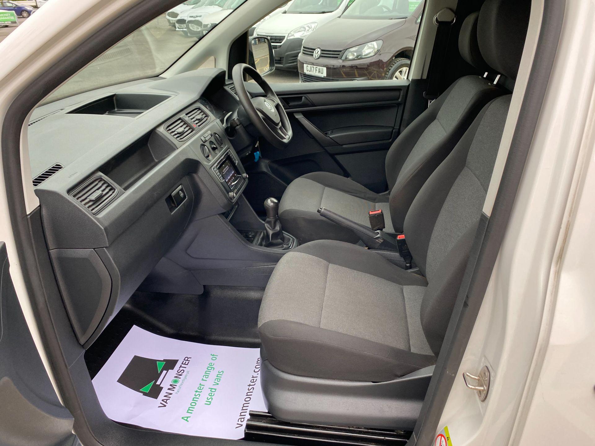 2017 Volkswagen Caddy 2.0 Tdi Bluemotion Tech 102Ps Startline Van (GL17HJJ) Image 16