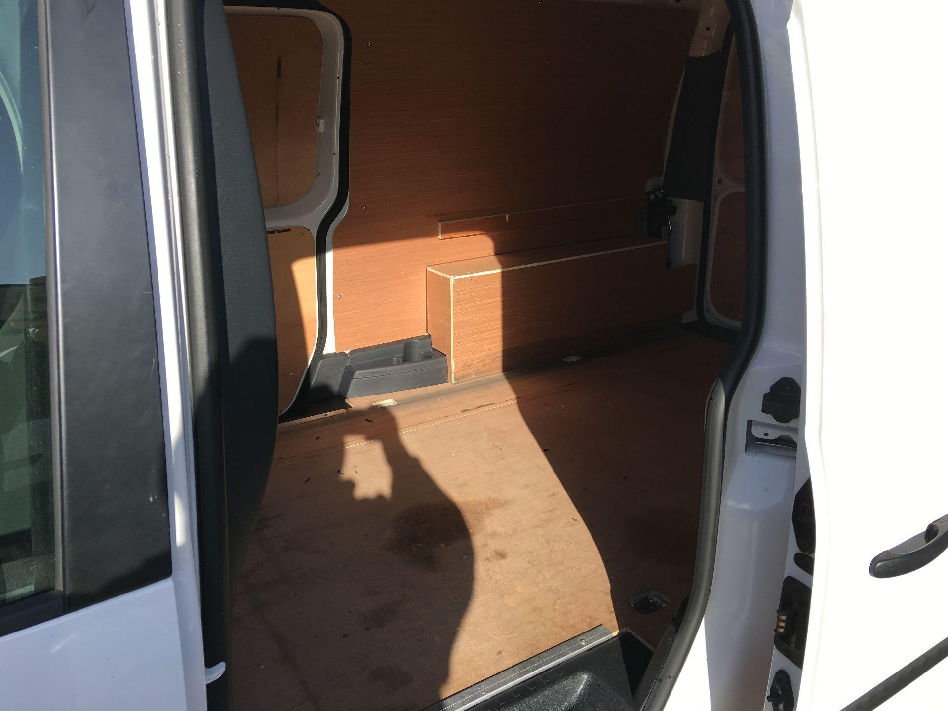 2017 Volkswagen Caddy Maxi 2.0 TDI 102PS BMT STARTLINE EURO 6 (GL17VRY) Image 19