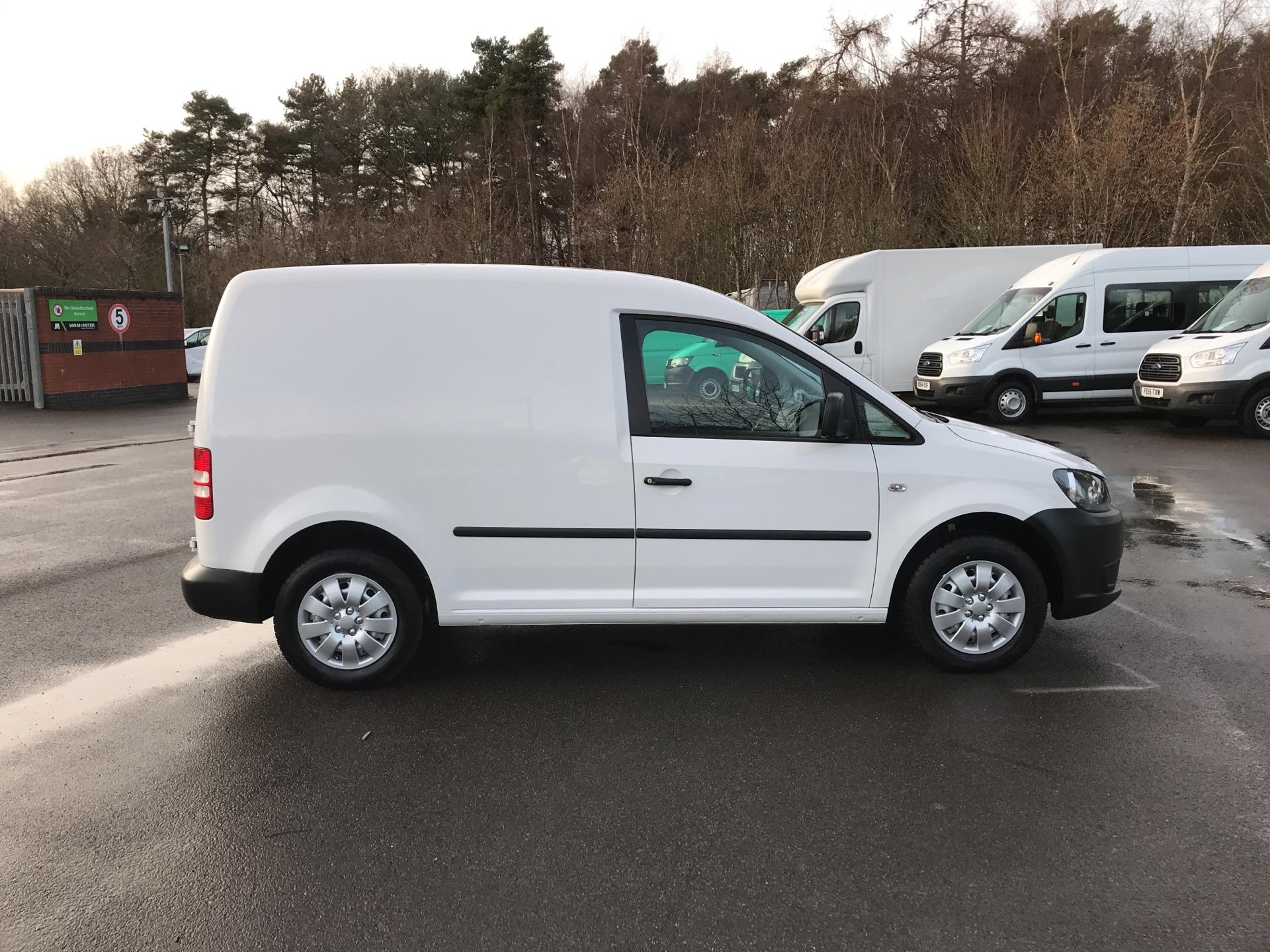 2015 Volkswagen Caddy  1.6 102PS STARTLINE EURO 5 (GL64YJP) Image 2